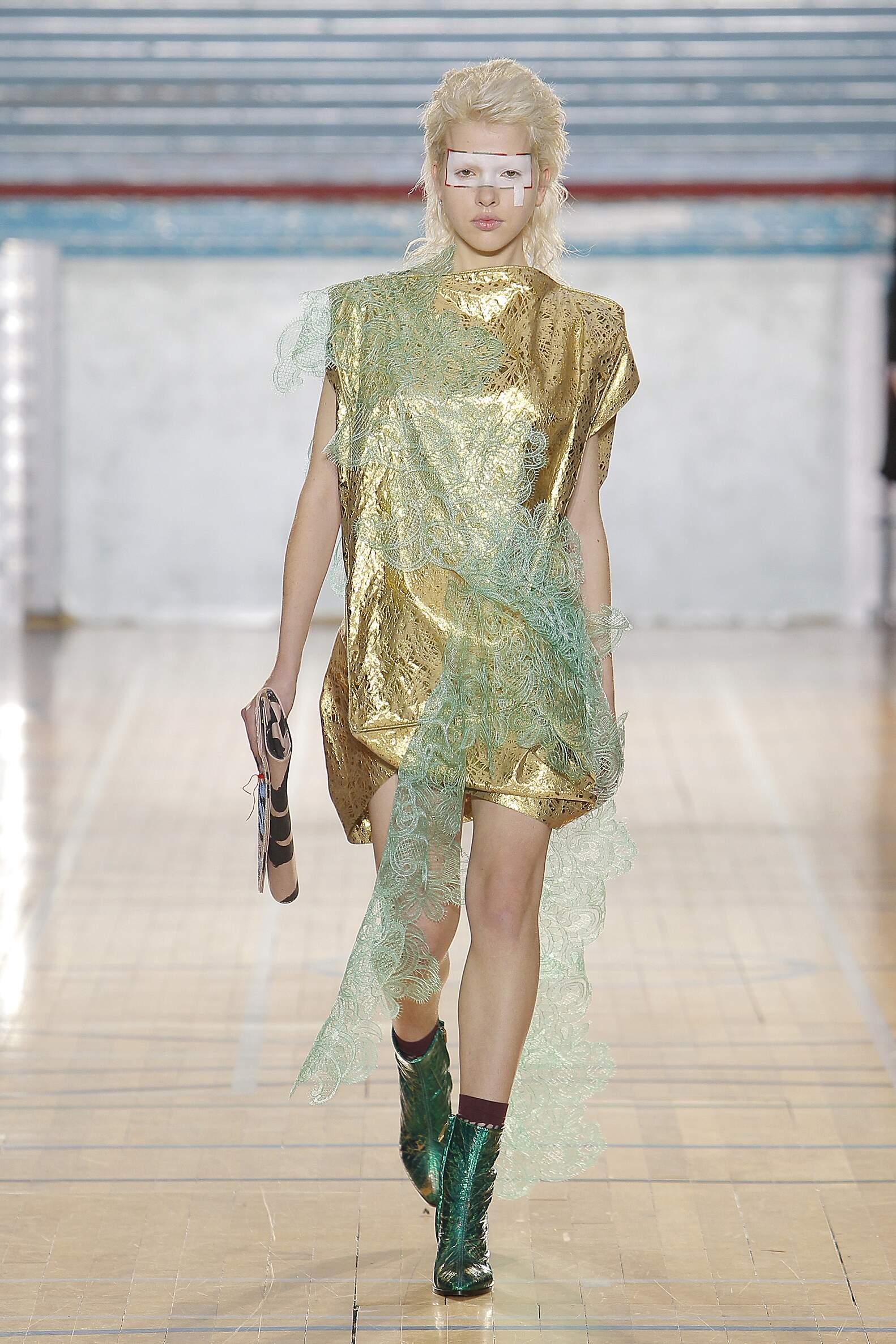 Fashion 2017 Woman Style Vivienne Westwood