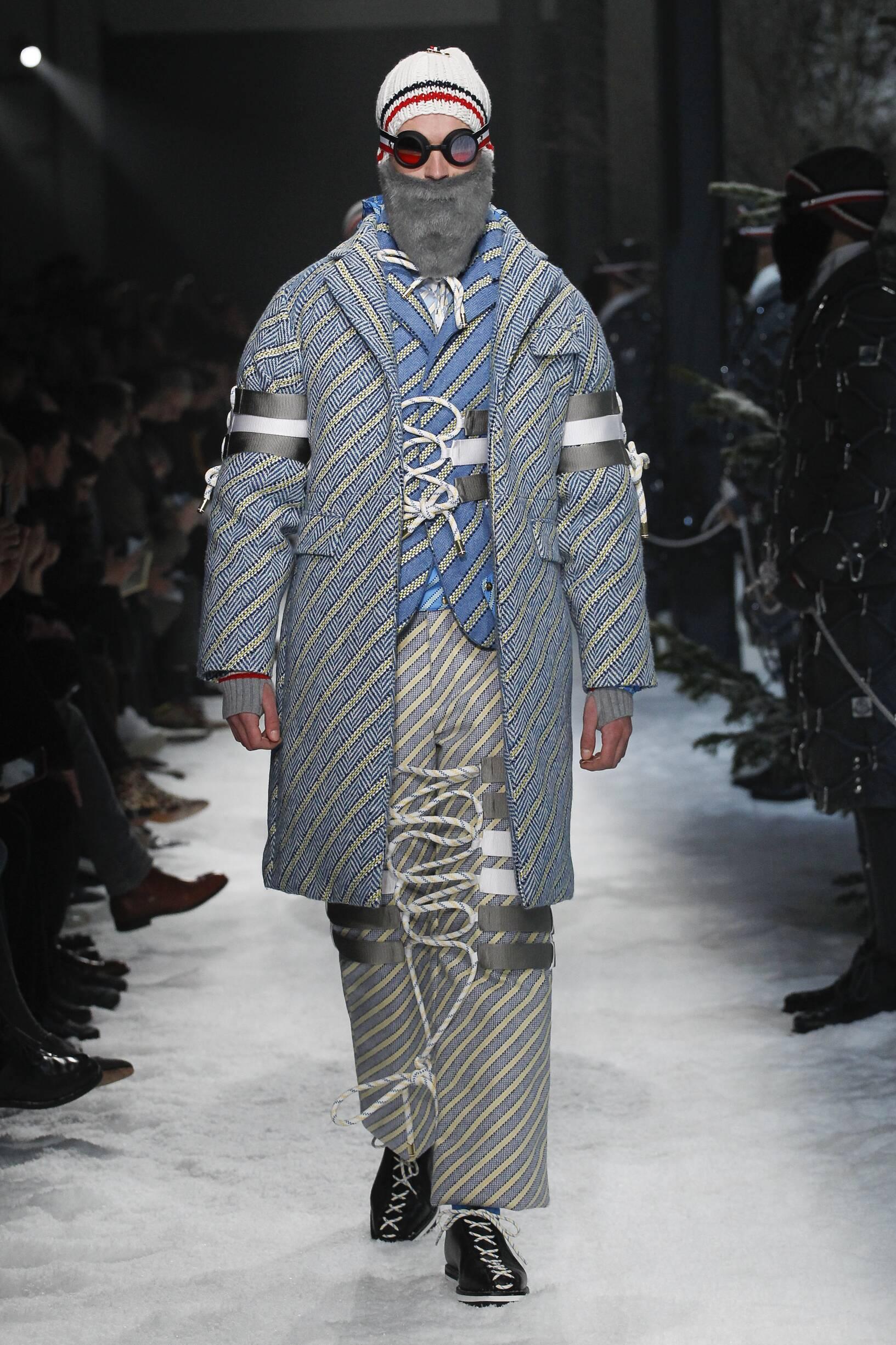 Fashion Man Model Moncler Gamme Bleu Catwalk
