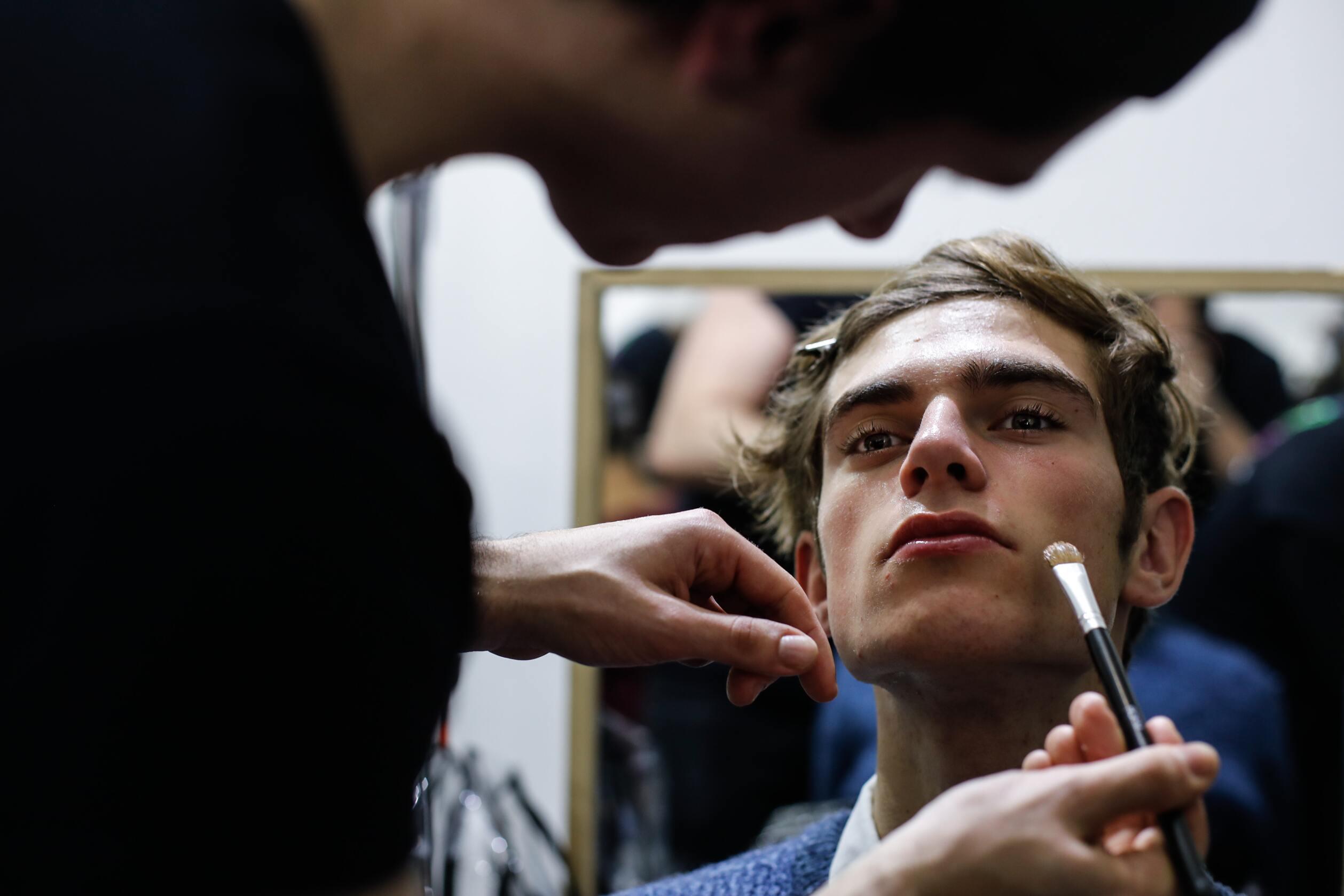 Make Up Model Daks Backstage