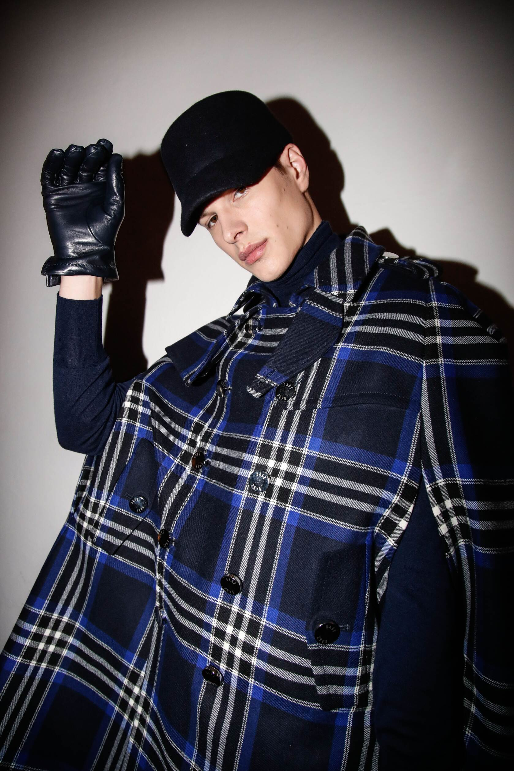 Model Daks Backstage Fall 17-18