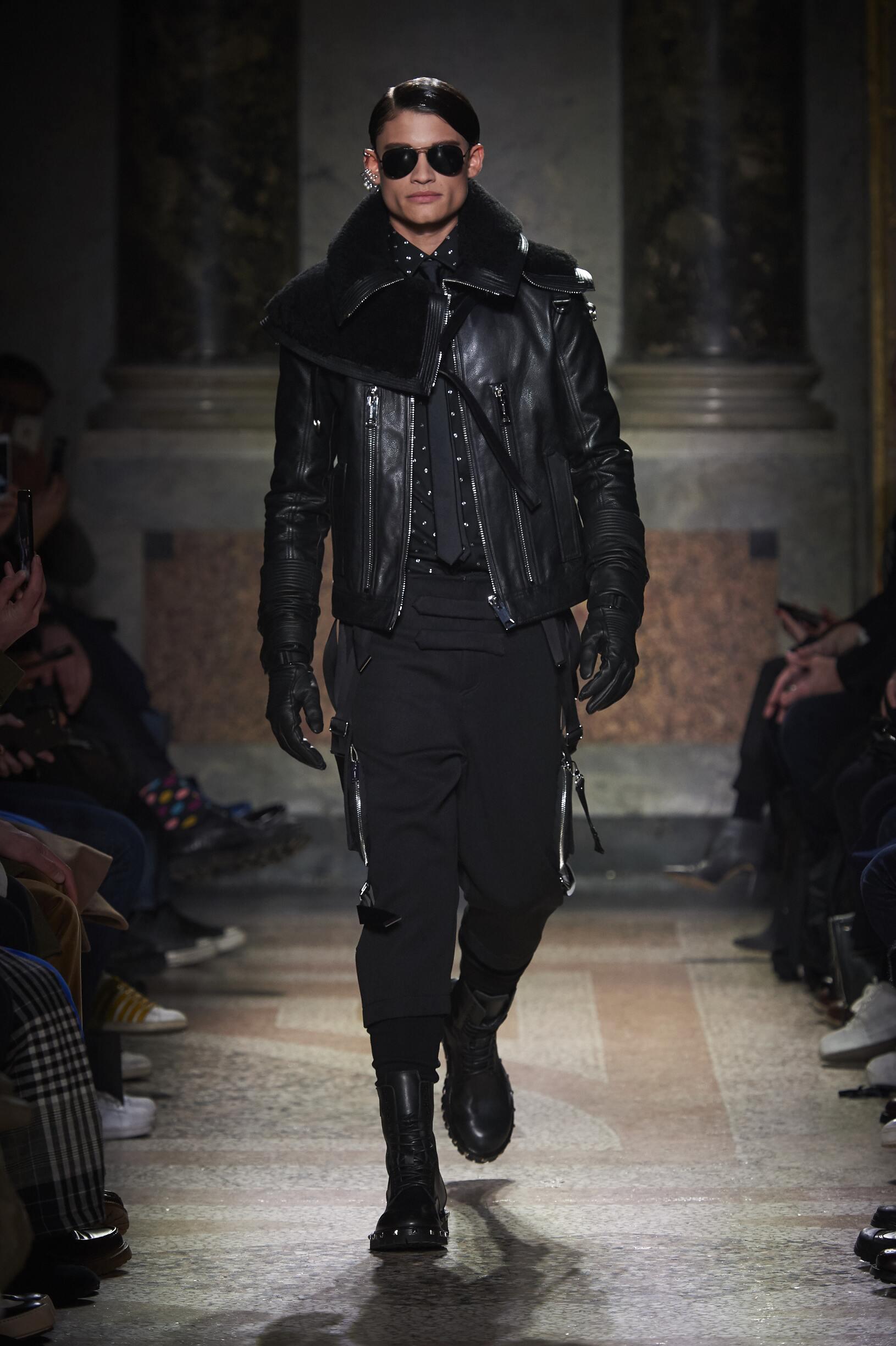 Model Fashion Show Les Hommes