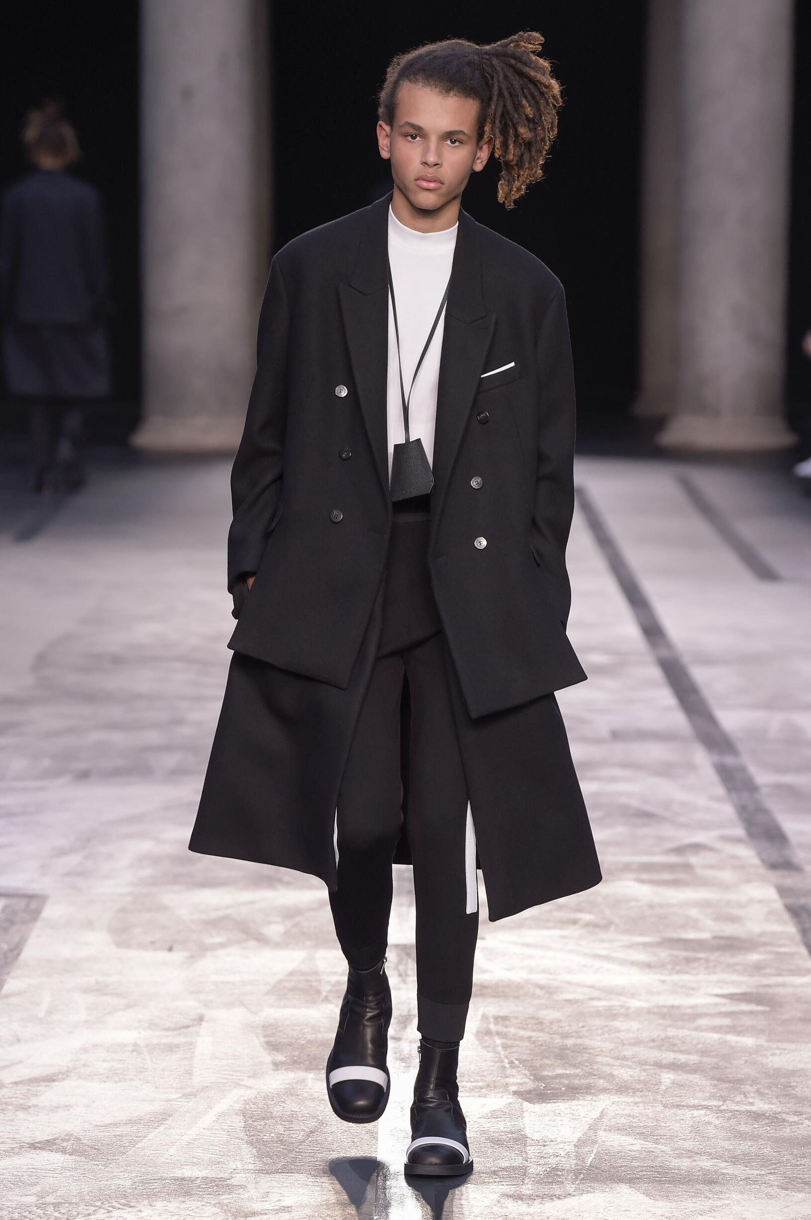 Model Fashion Show Neil Barrett