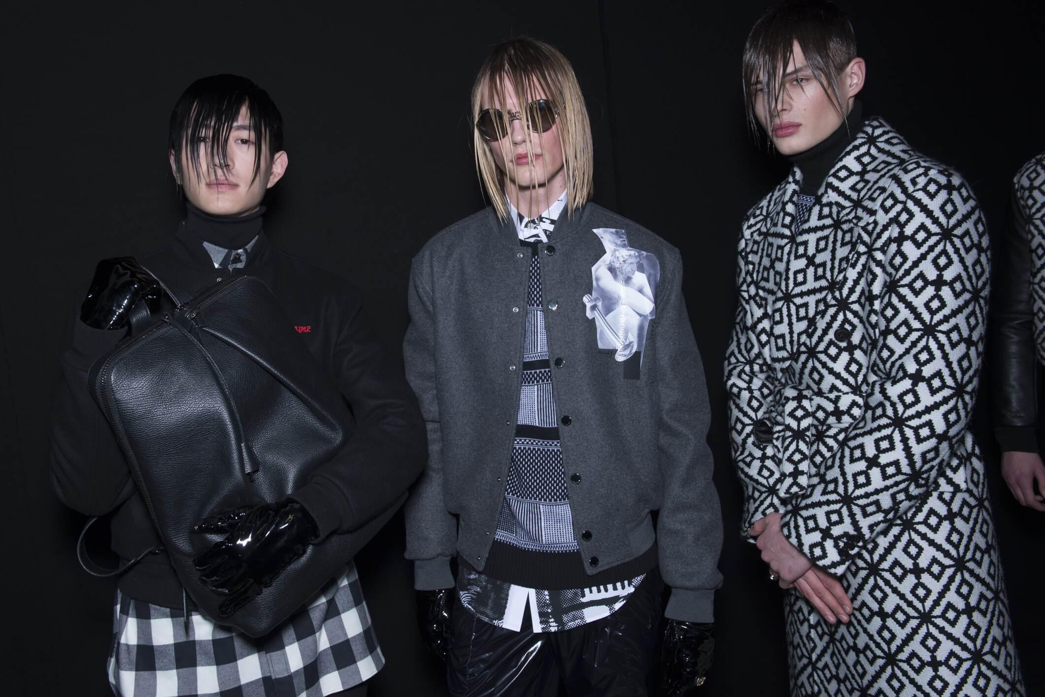 Models Versace Fall 17 18