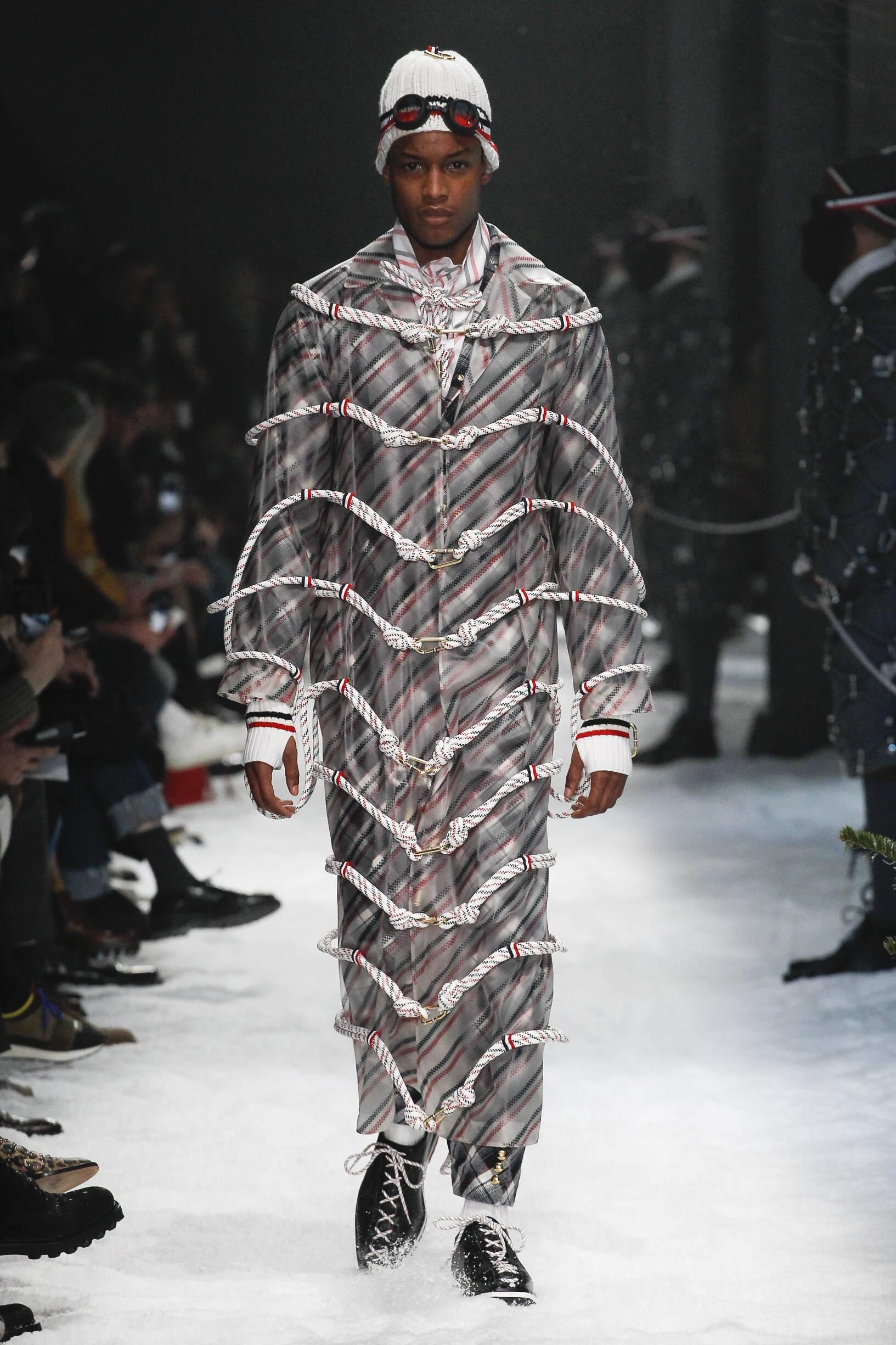 Moncler Gamme Bleu Fashion Show FW 2017