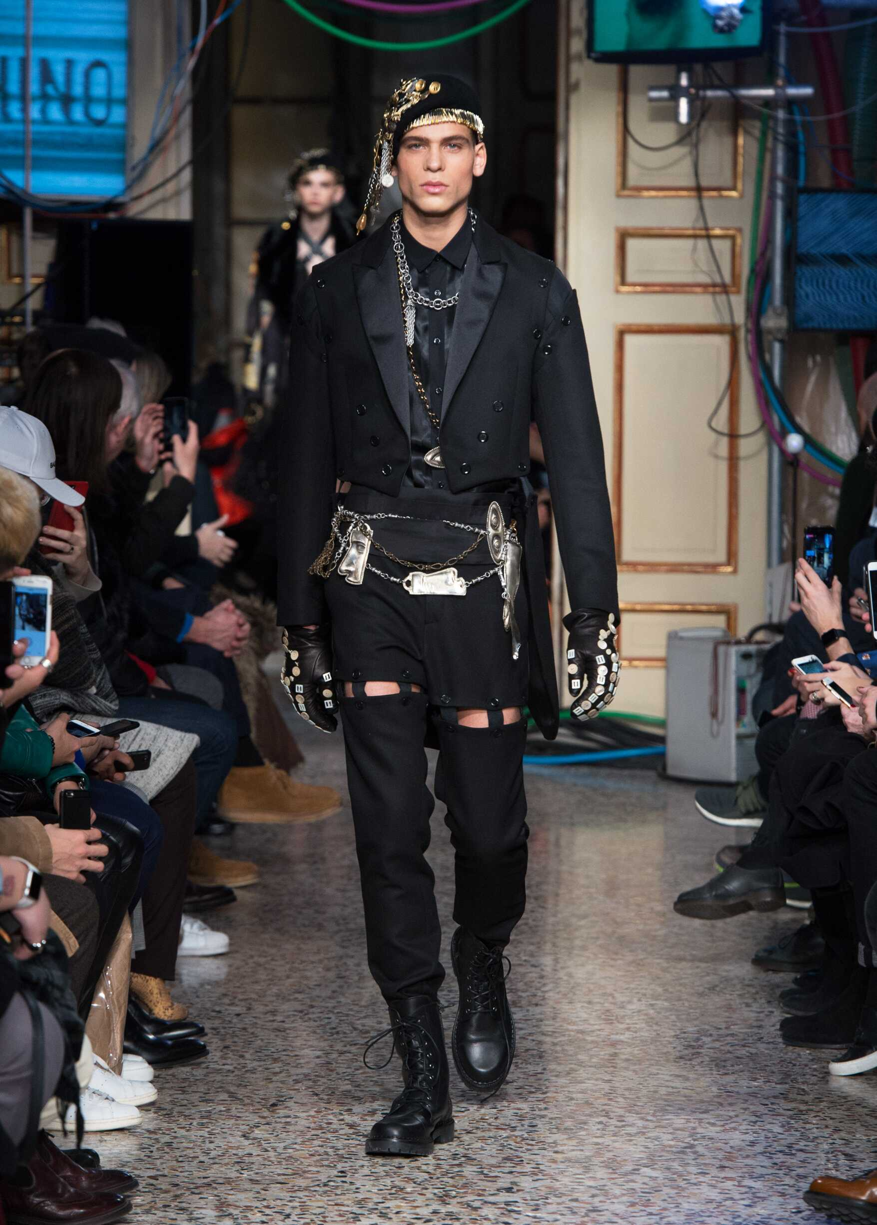 Moschino Fall Winter 2017 18 Men S Collection And Woman