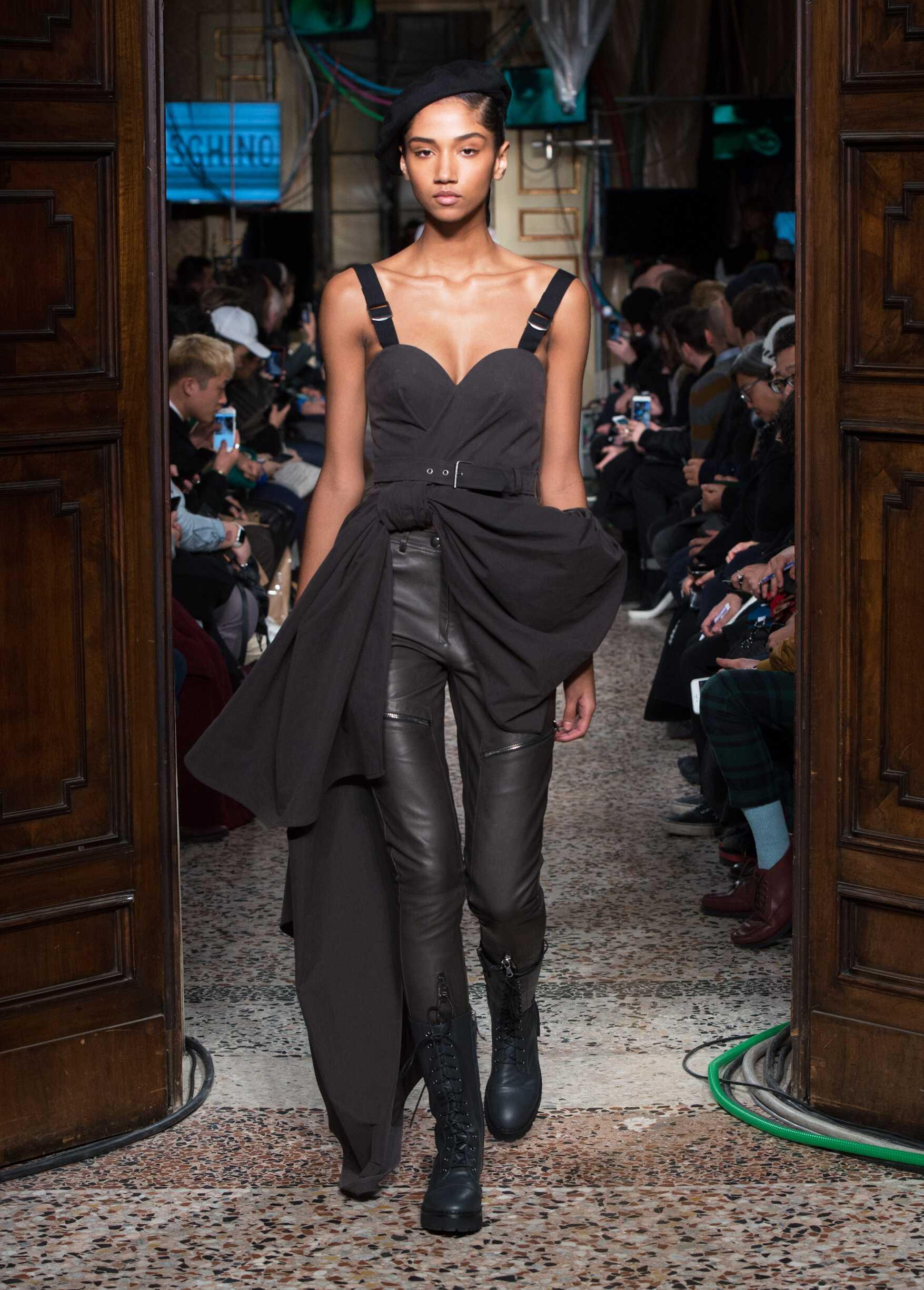 Moschino Womenswear 2017-2018 Milan
