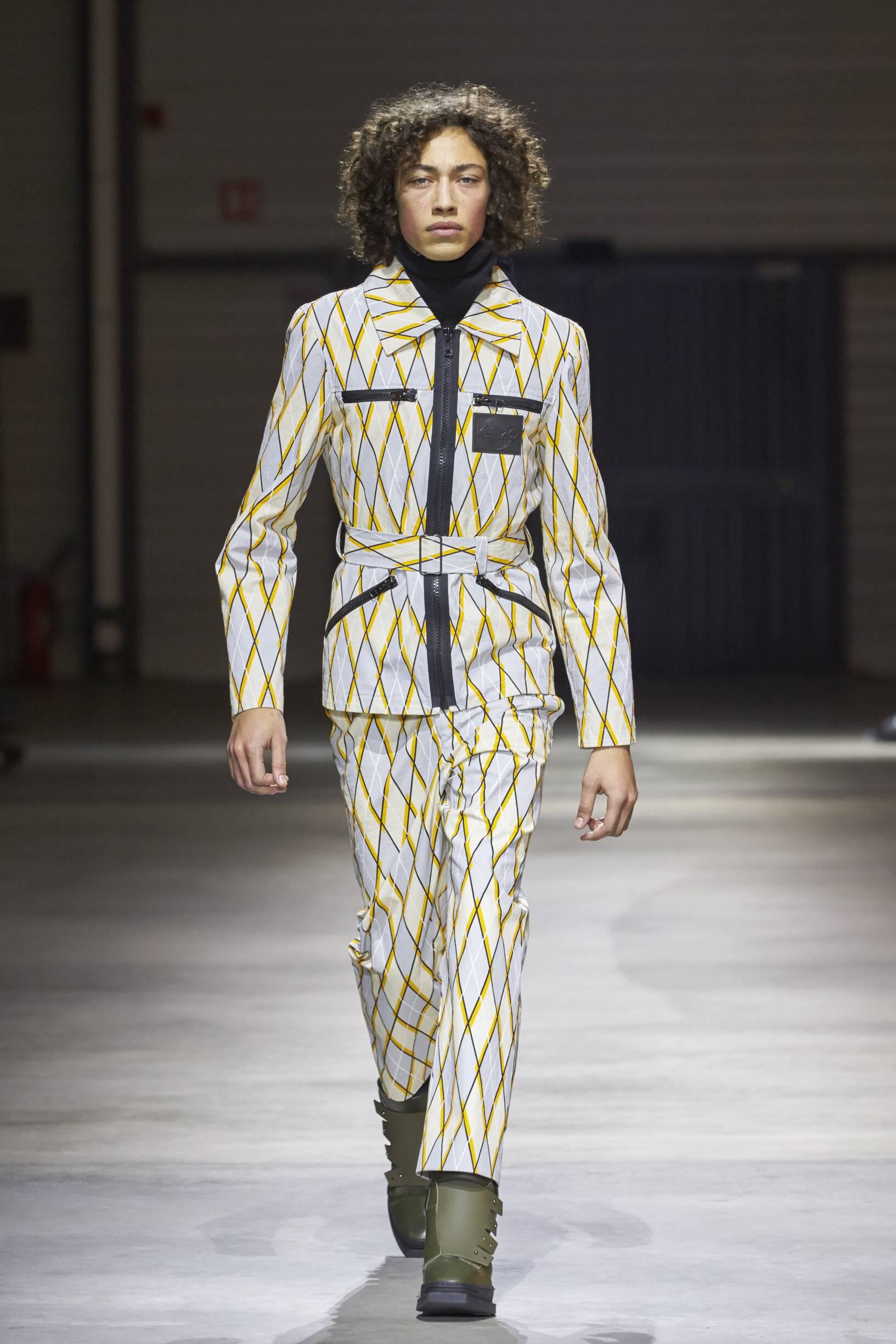 Runway Kenzo Fall Winter 2017 Men's Collection Paris Fashion Week