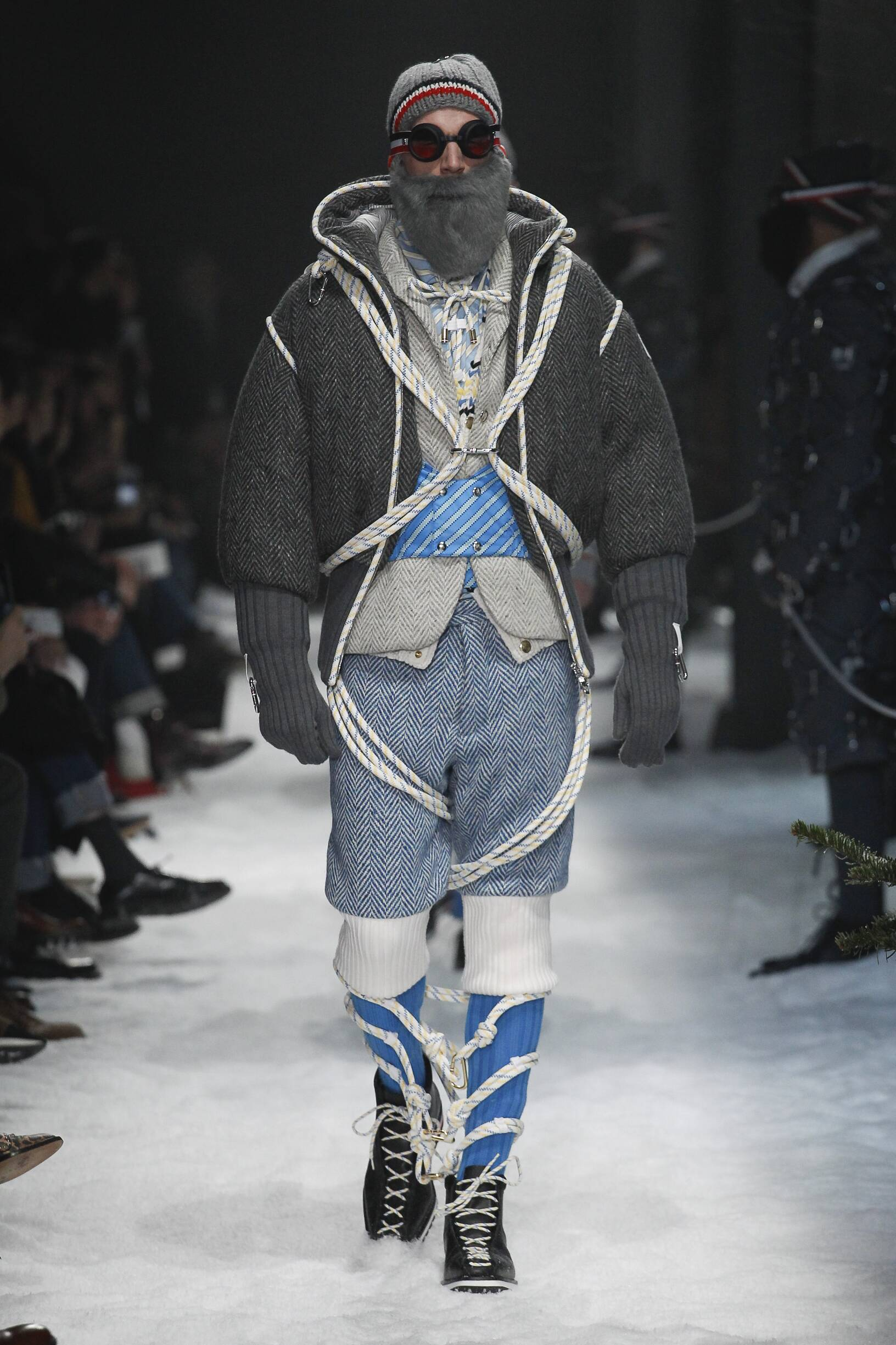 Runway Moncler Gamme Bleu Fall Winter 2017 Men's Collection Milan Fashion Week