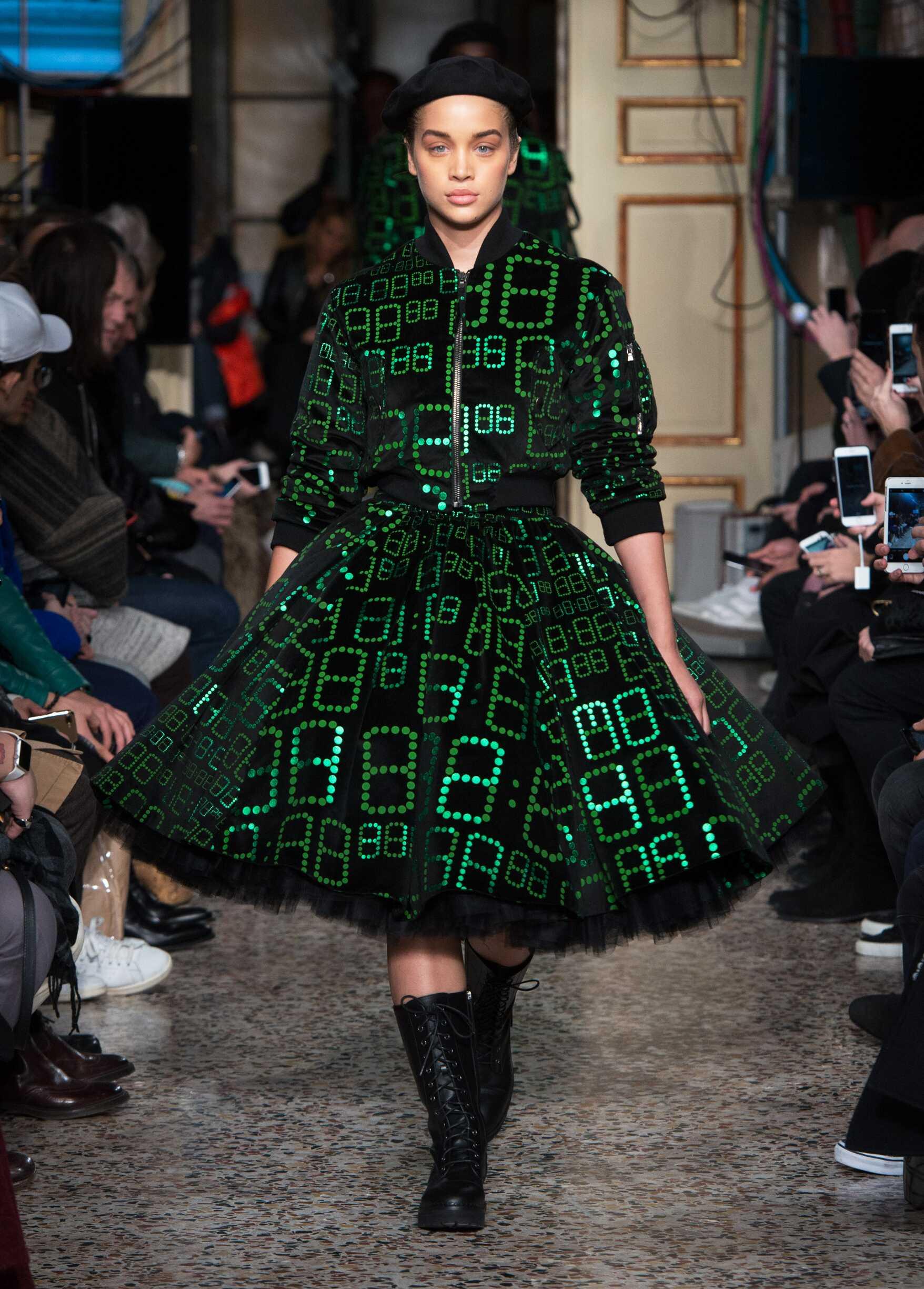 Runway Moschino Fall Winter 2017 Women's Collection Milan Fashion Week