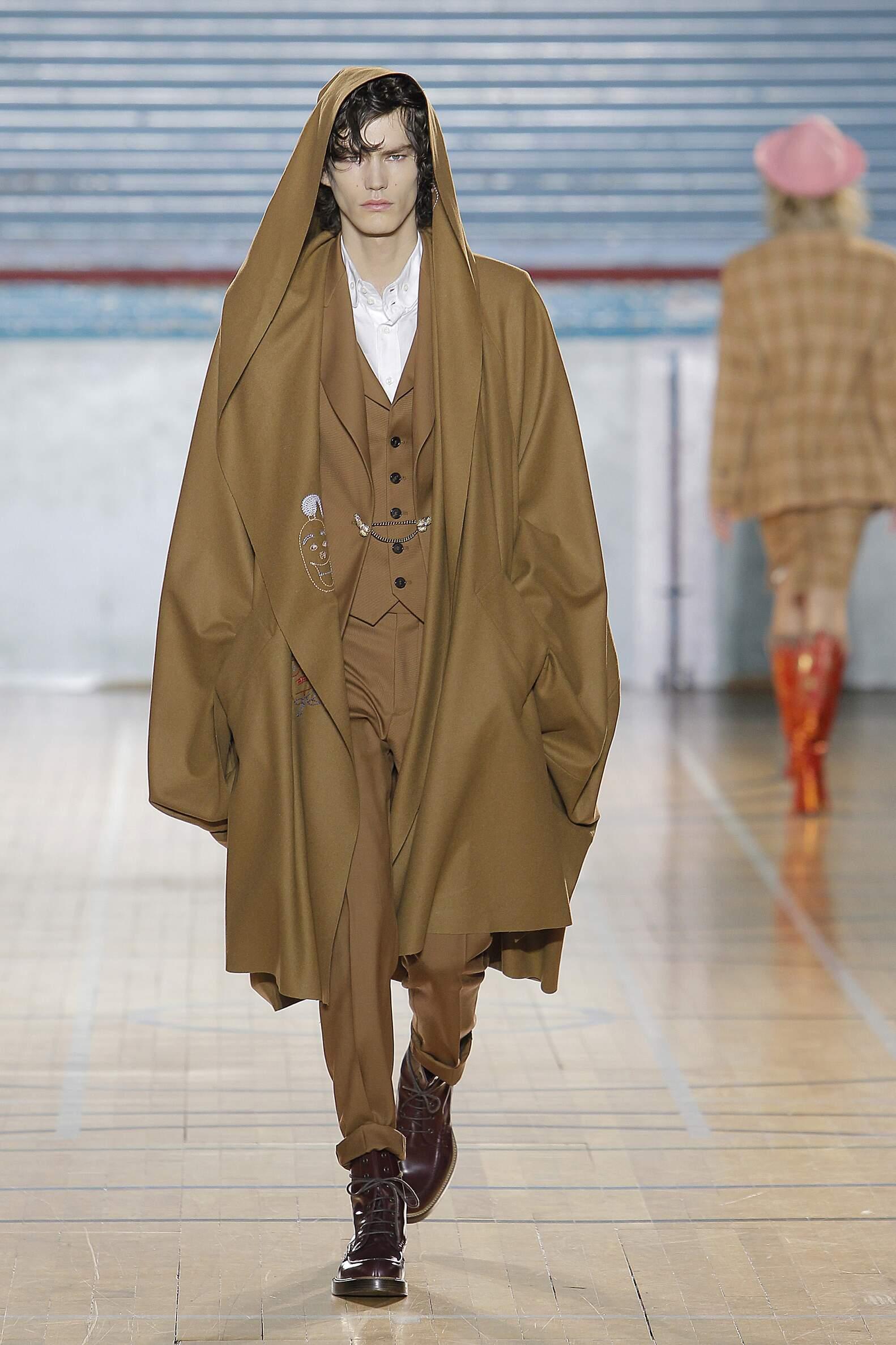 Runway Vivienne Westwood Fall Winter 2017 Men's Collection London Fashion Week