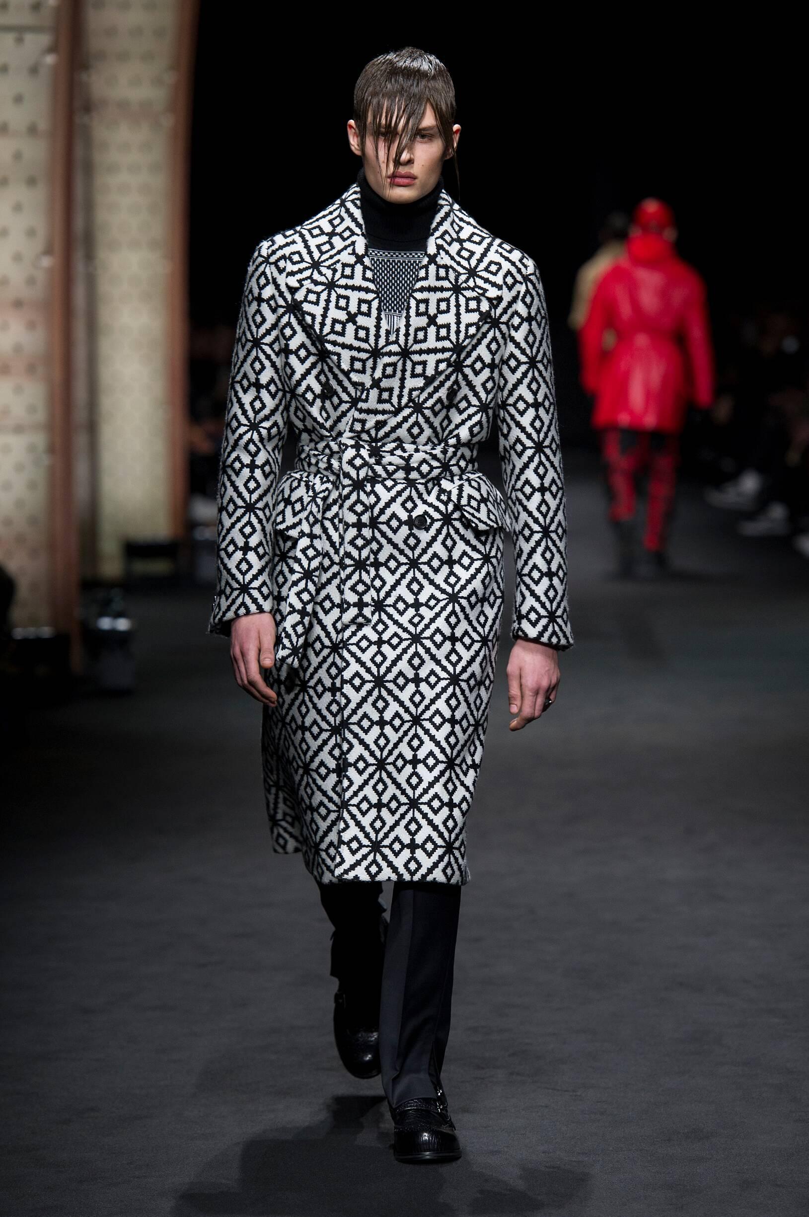 Versace Fall 2018 Catwalk