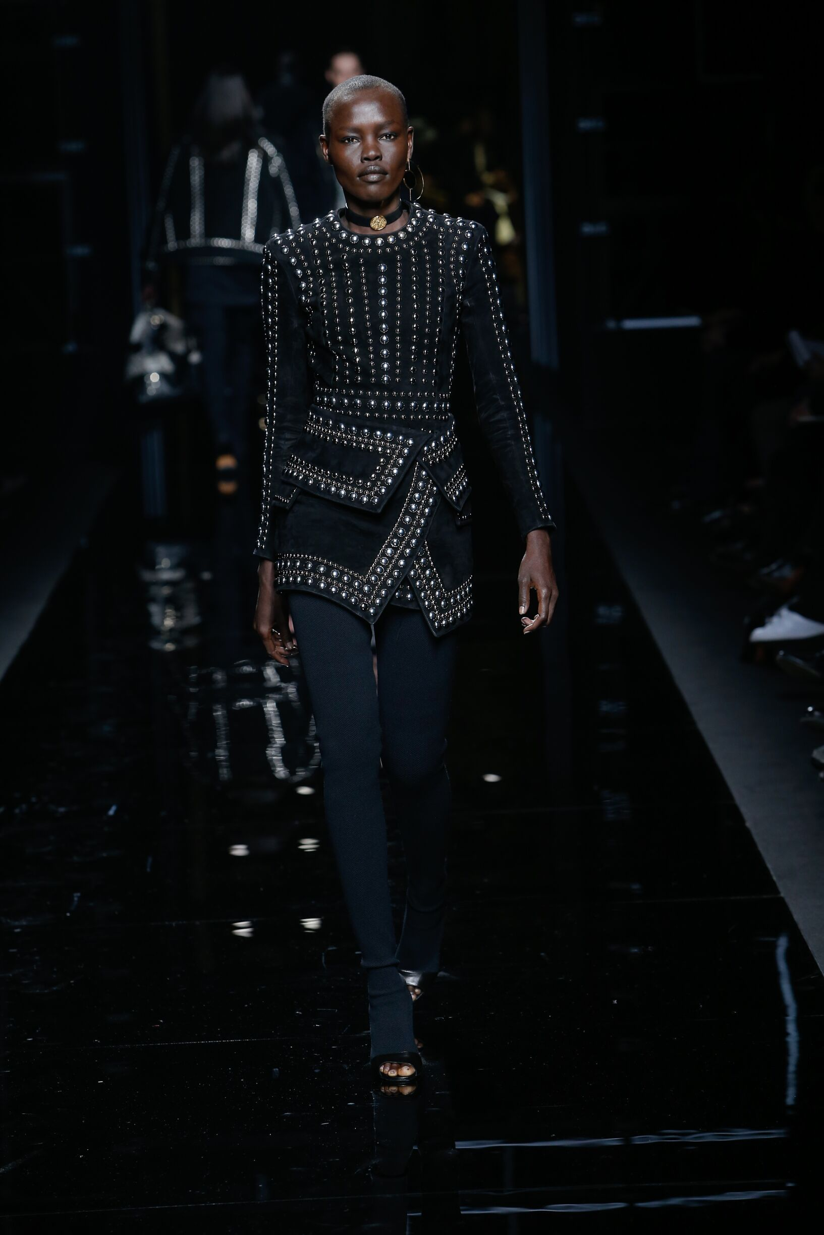 2017 Catwalk Balmain Woman Fashion Show Winter