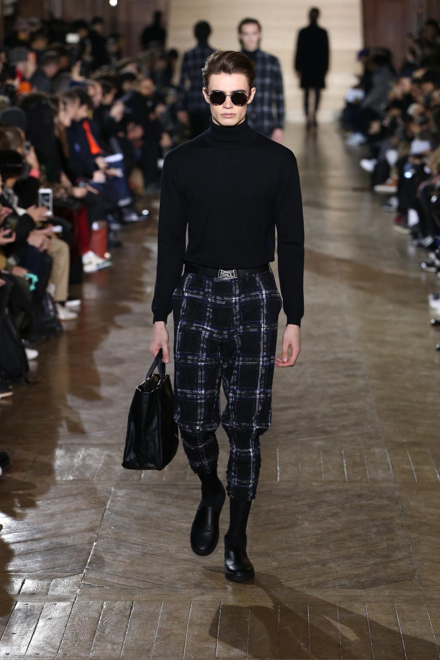 2017 Catwalk Issey Miyake Man Fashion Show Winter