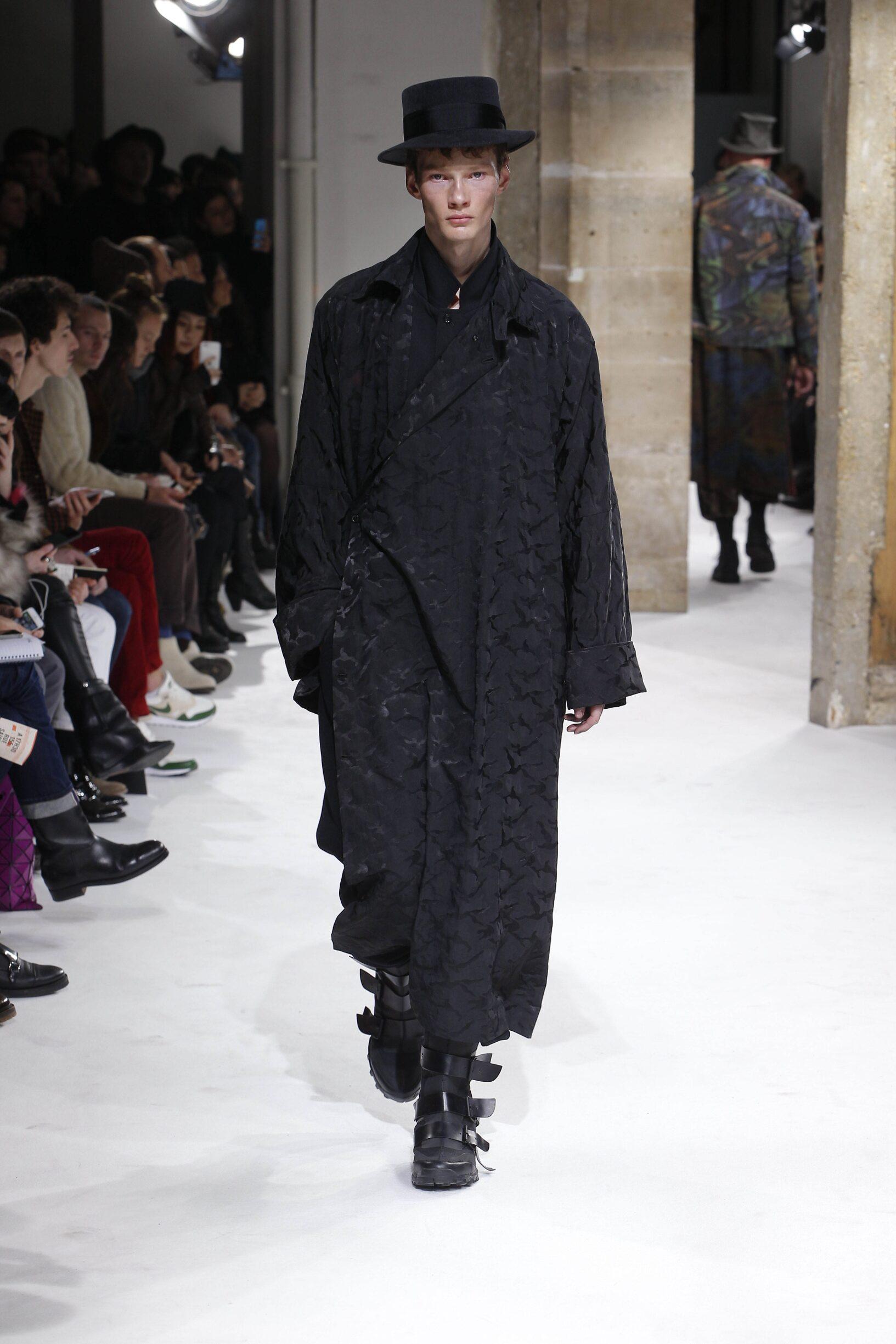 2017 Catwalk Yohji Yamamoto Man Fashion Show Winter