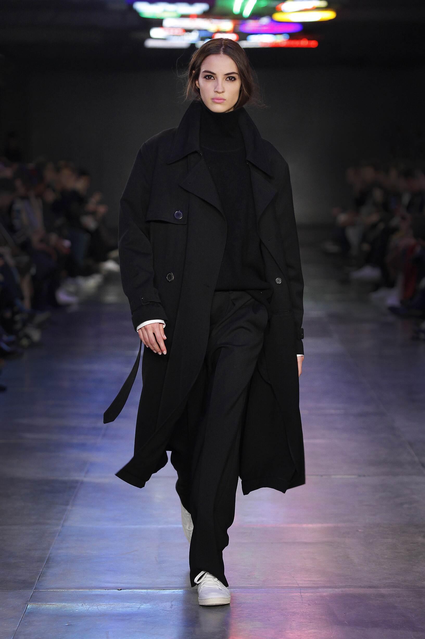 Ami Fashion Show Woman
