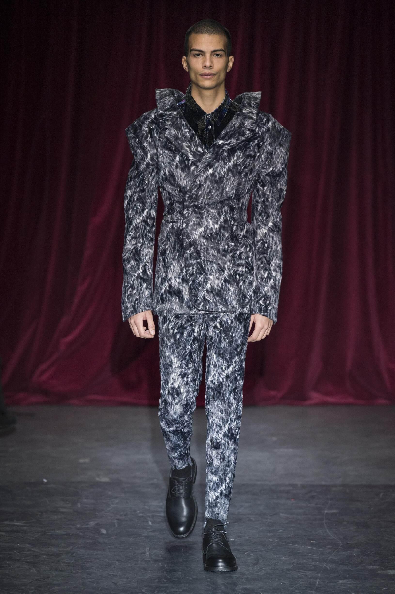 Catwalk Y/Project Man Fashion Show Winter 2017