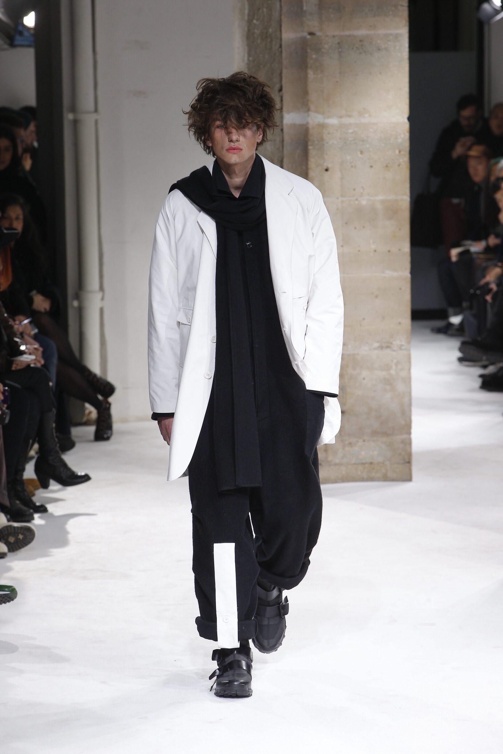 Catwalk Yohji Yamamoto Man Fashion Show Winter 2017