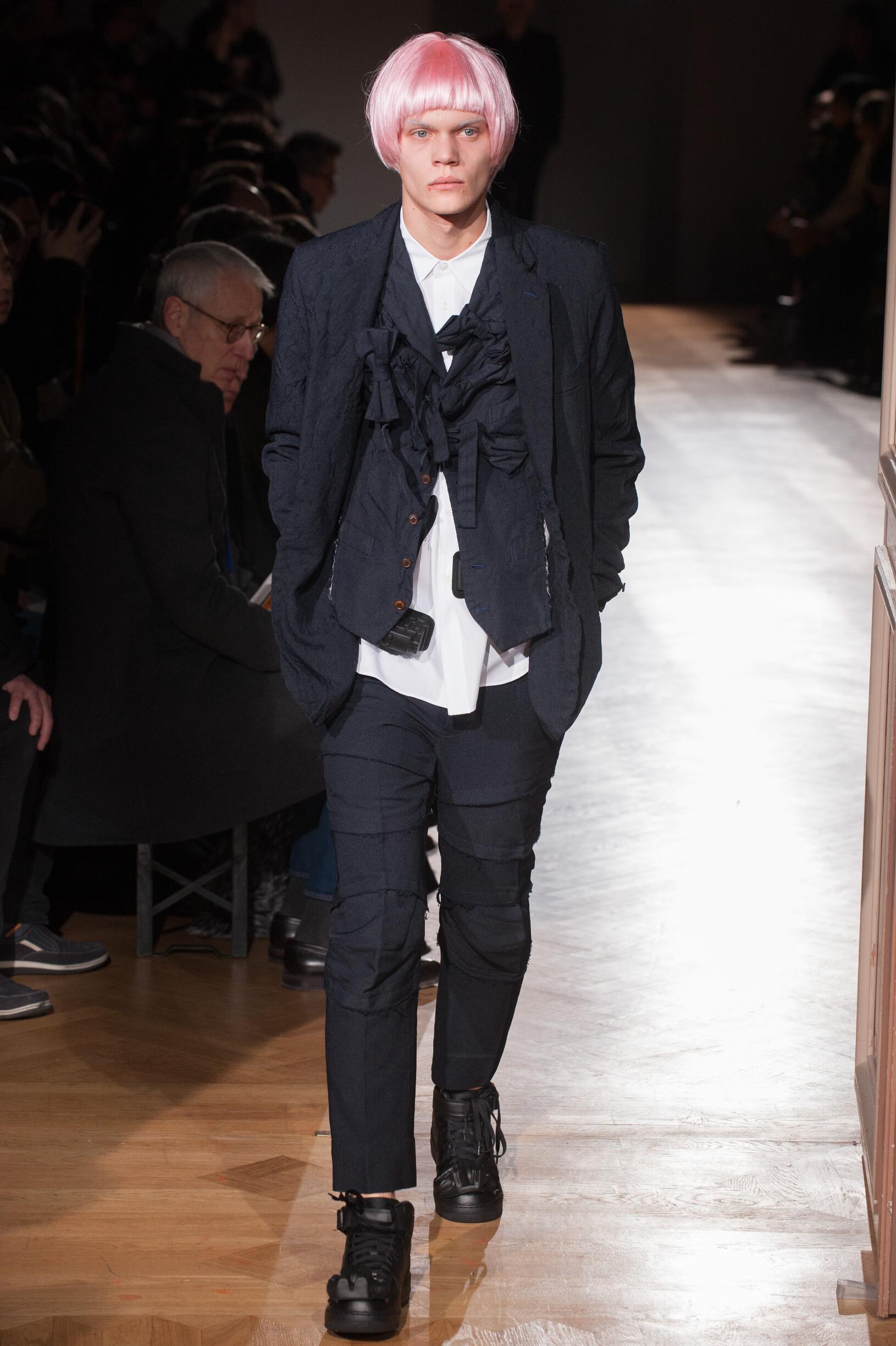 FW 2017-18 Comme des Garçons Homme Plus Fashion Show