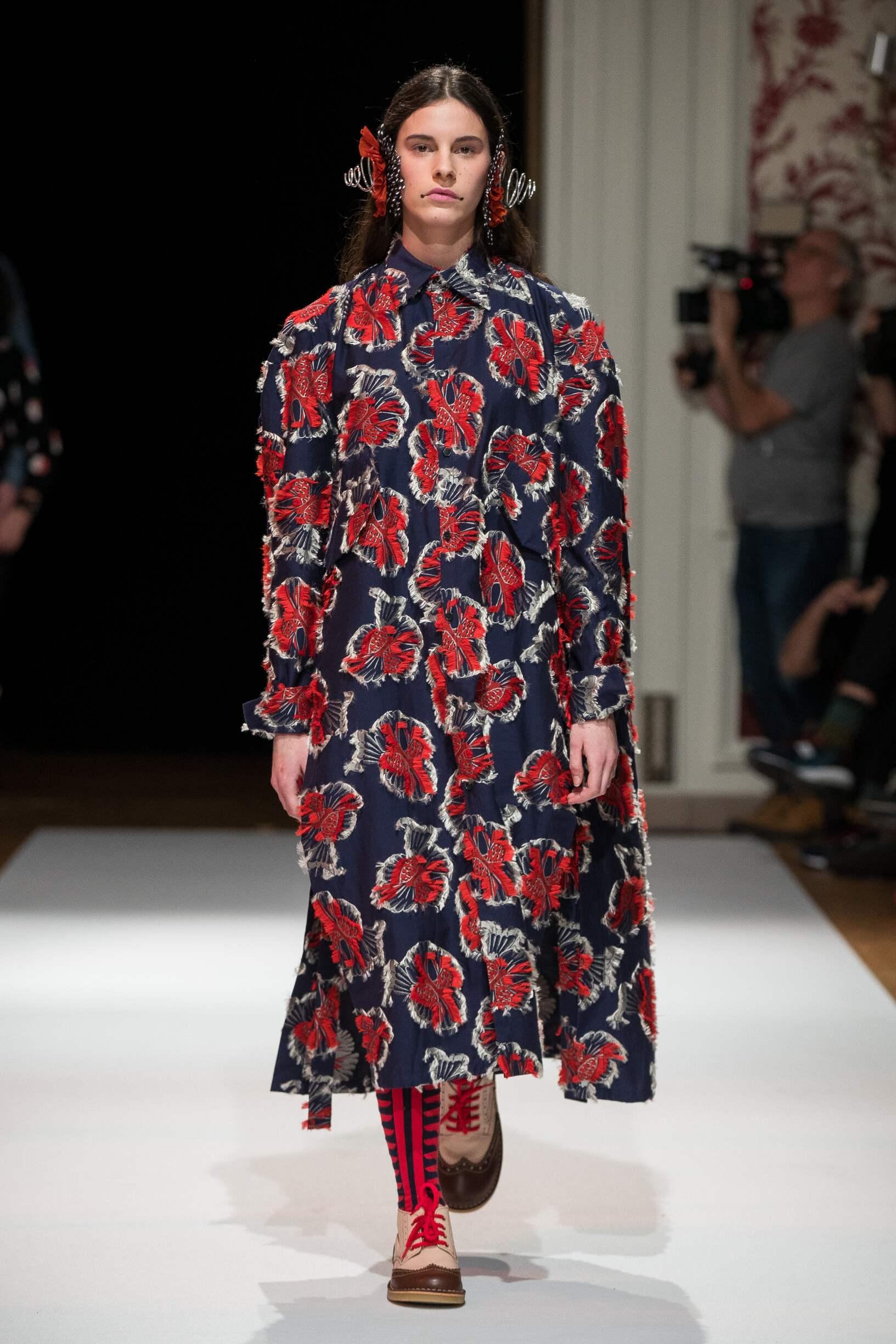 Fall 2017-18 Womenswear Henrik Vibskov