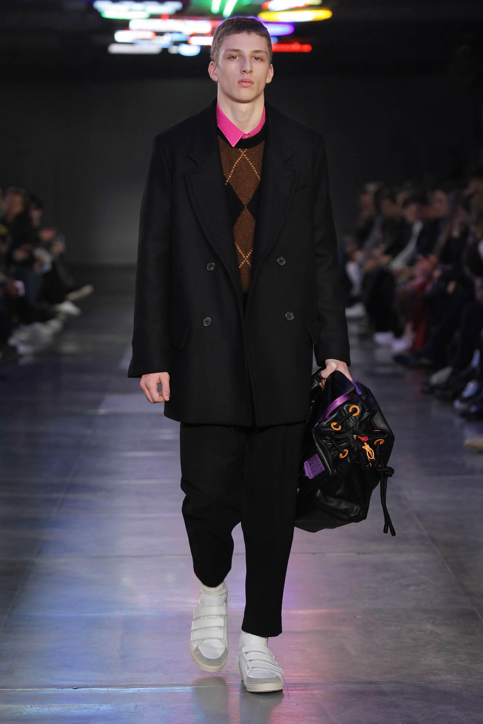 Fashion Model Ami Catwalk