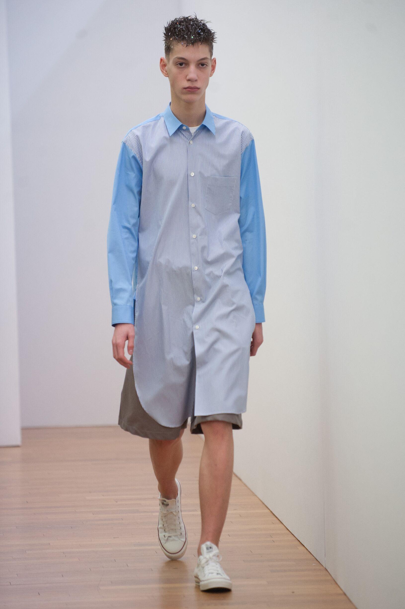 Fashion Model Comme Des Garçons Shirt Catwalk