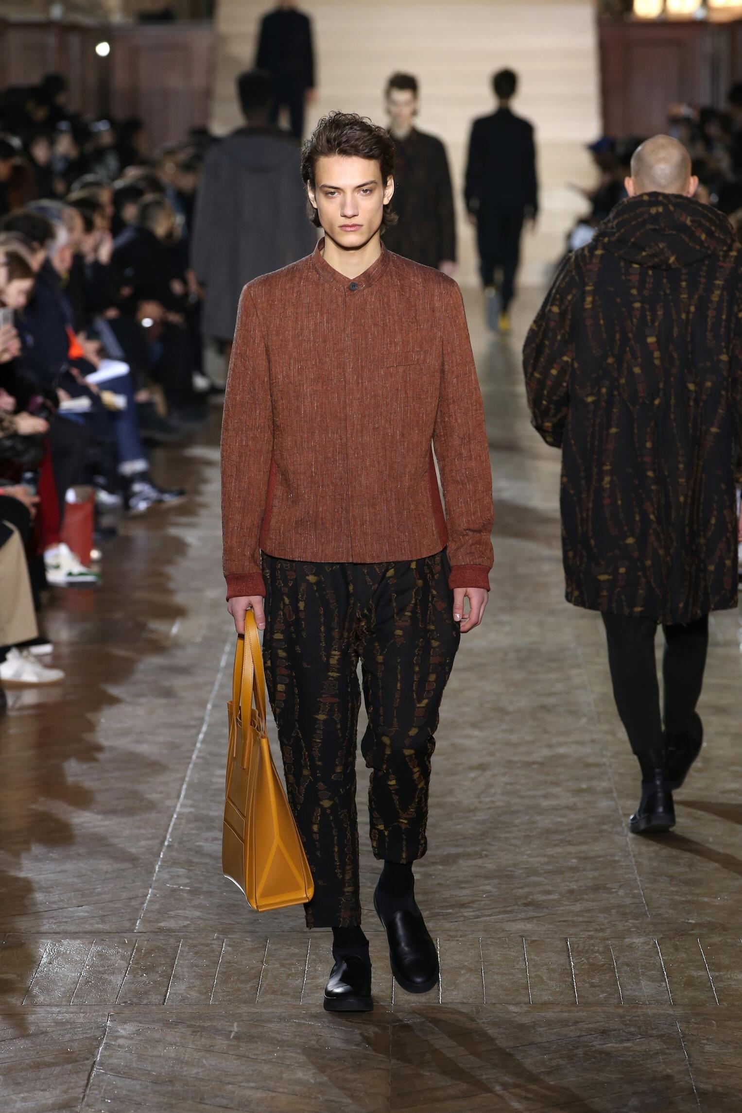 Runway Issey Miyake Fall Winter 2017 Men's Collection Paris Fashion Week