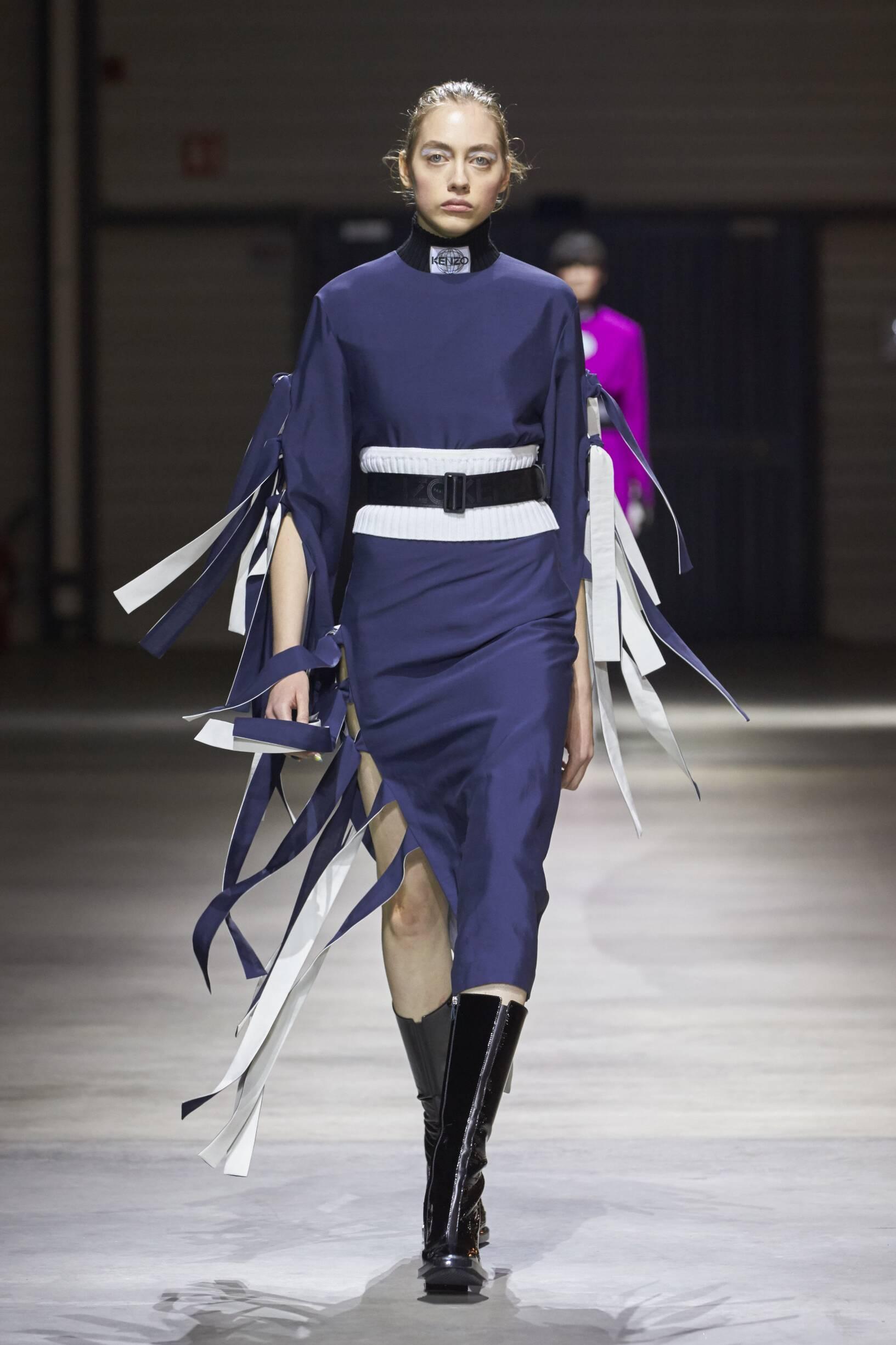 Runway Kenzo Fall Winter 2017 Women's Collection Paris Fashion Week