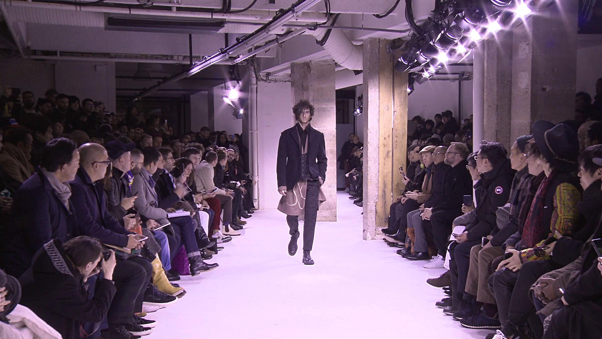 Yohji Yamamoto Fall Winter 2017-18 Fashion Show - Paris Fashion Week