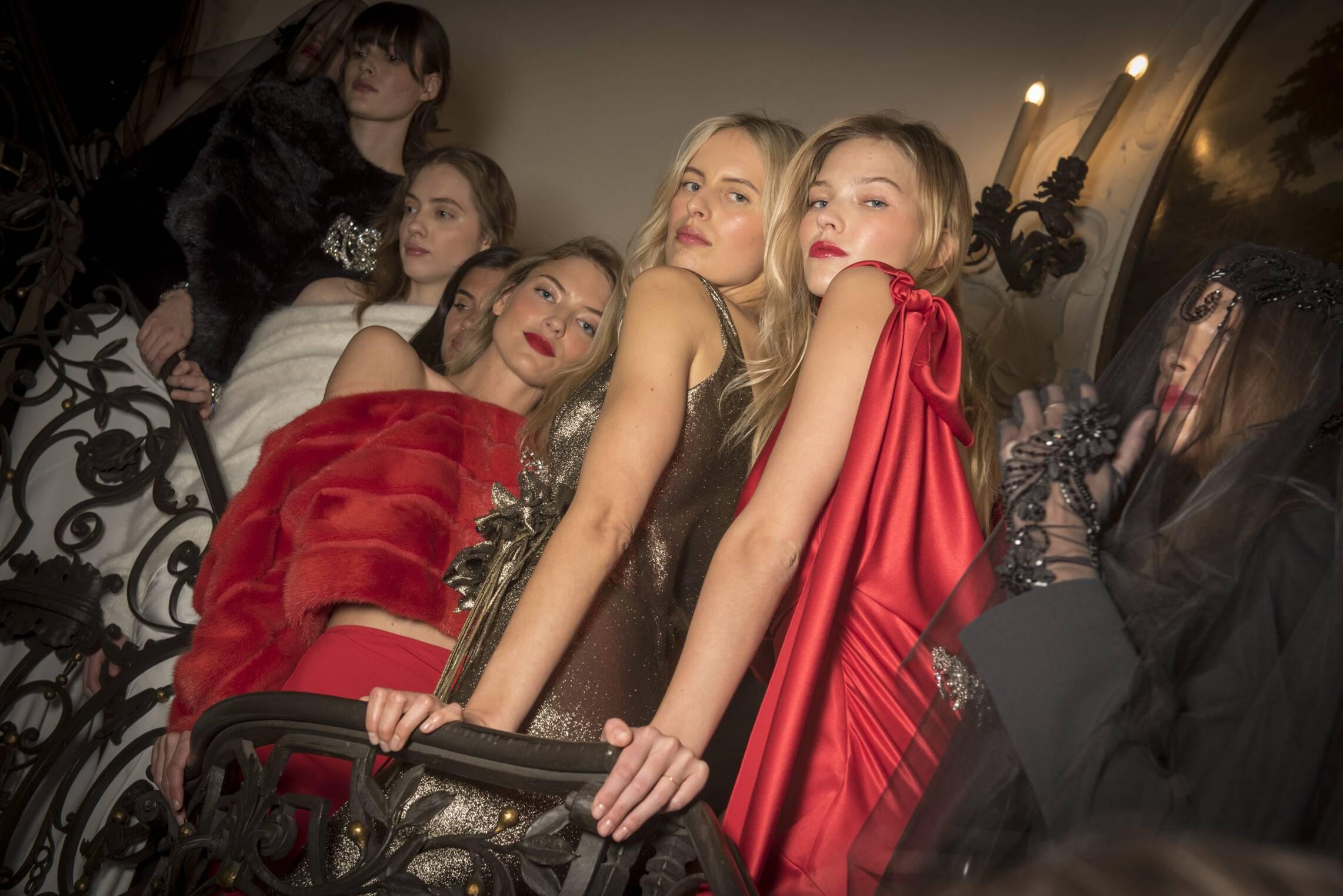 2017-18 Backstage Alberta Ferretti Models Palazzo Donizzetti Milan