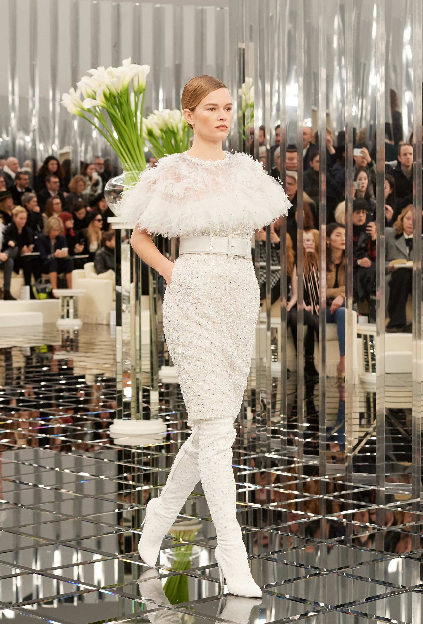2017 Woman Catwalk Chanel Couture