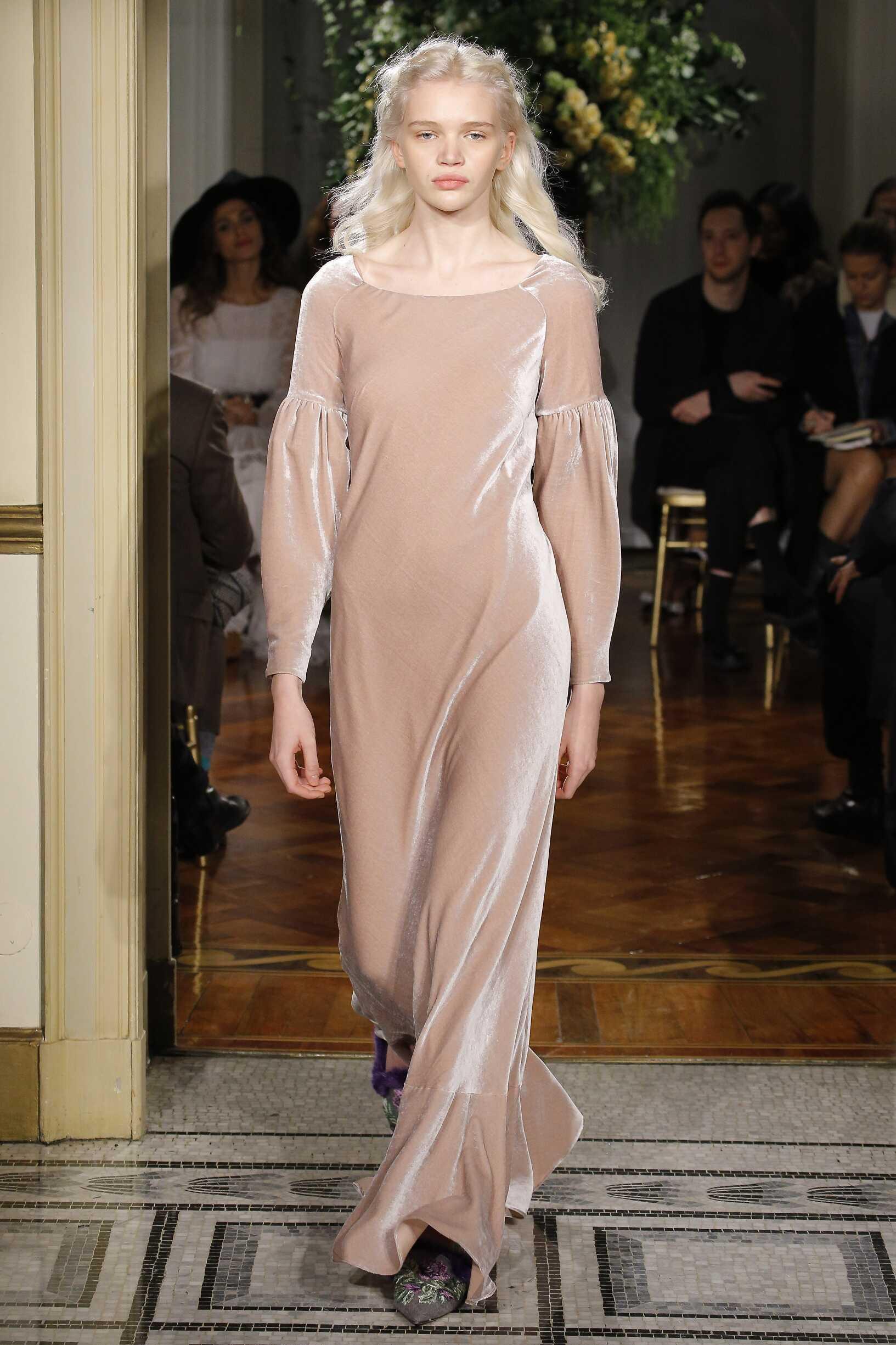 Alberta Ferretti Fashion Show Pre-Fall 2017
