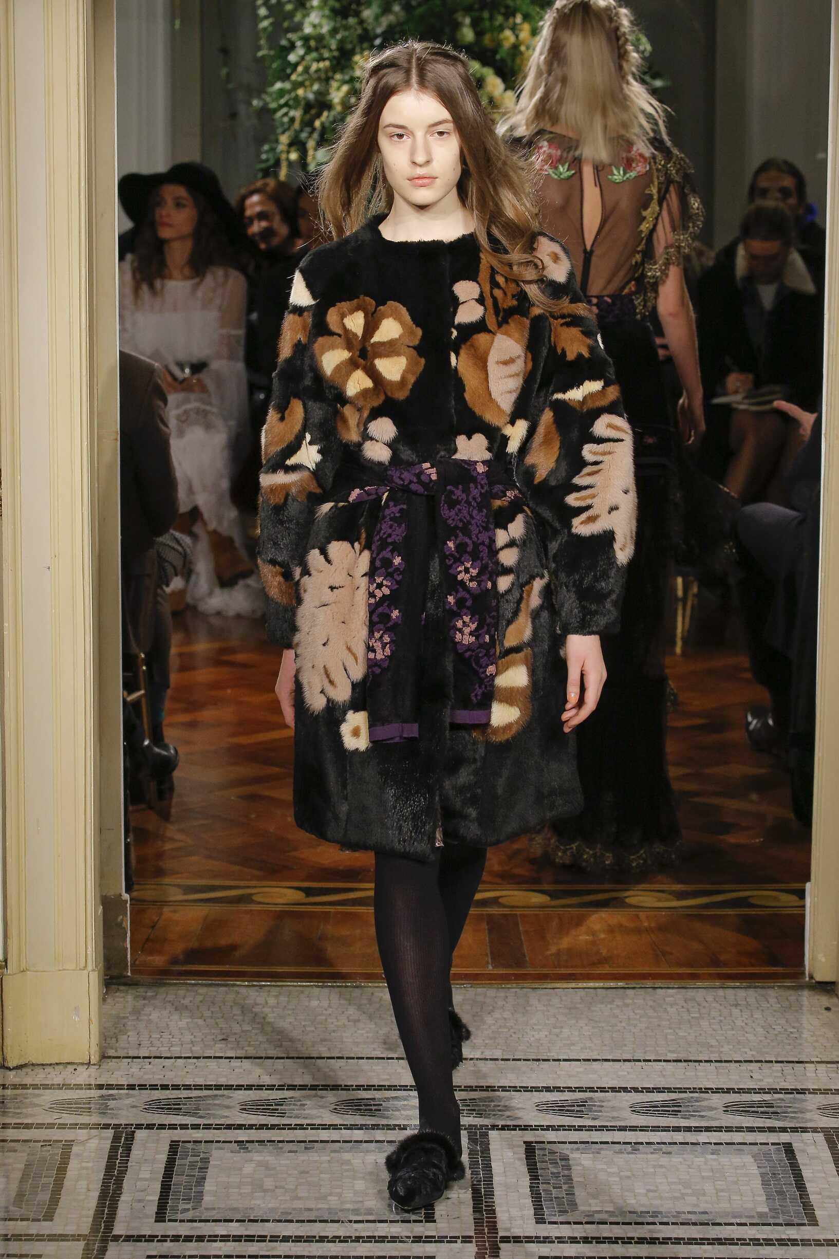 Alberta Ferretti Pre-Fall 2017 Womens Collection Milan Fashion Week
