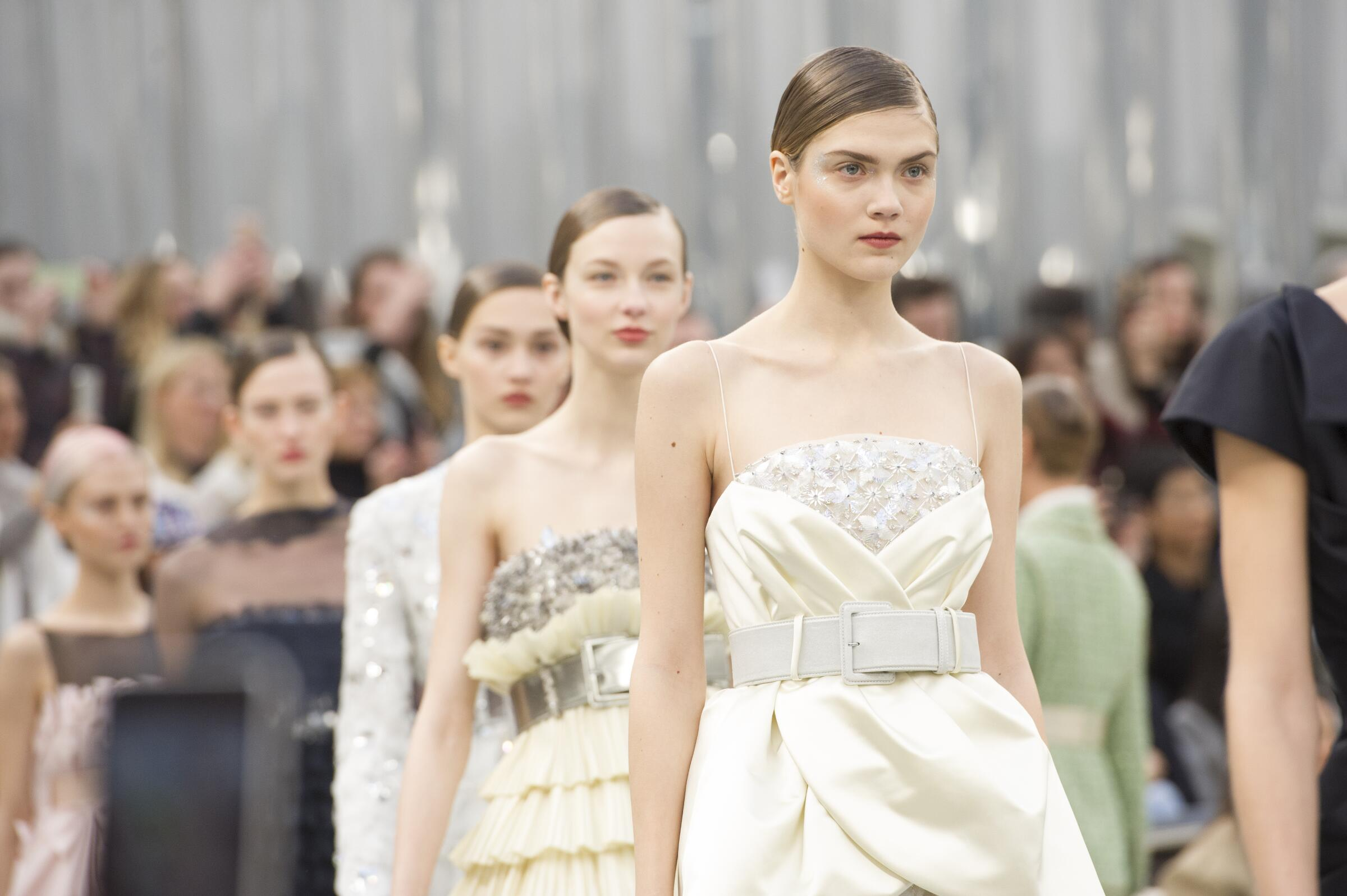 Chanel Haute Couture 2017-2018 Womenswear Details