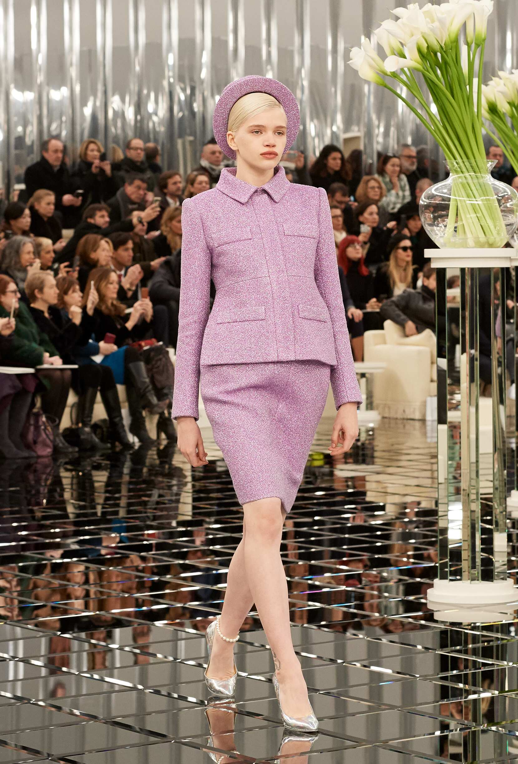 Chanel Haute Couture Woman Catwalk