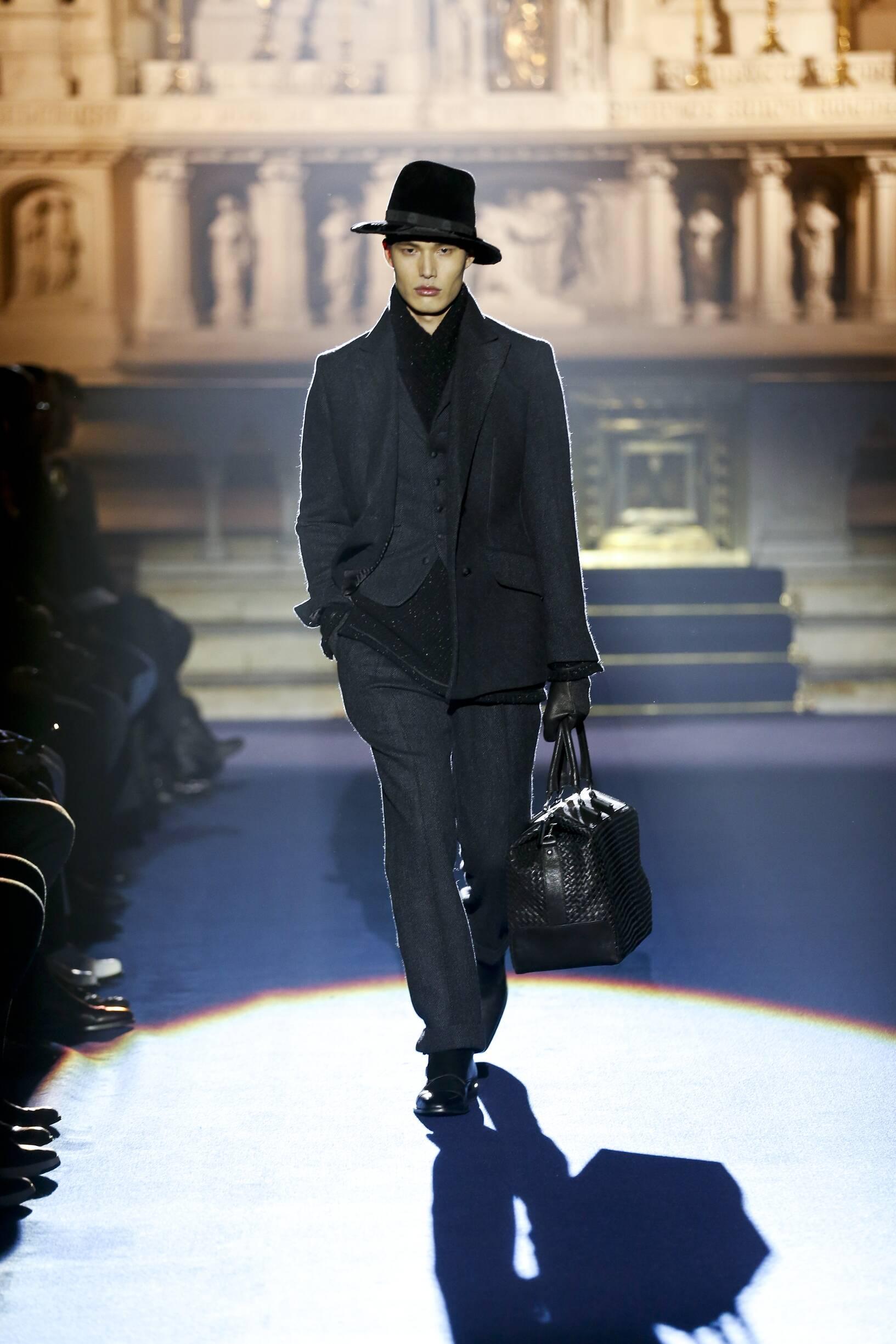 Fashion Man Model Joseph Abboud Catwalk 17-18