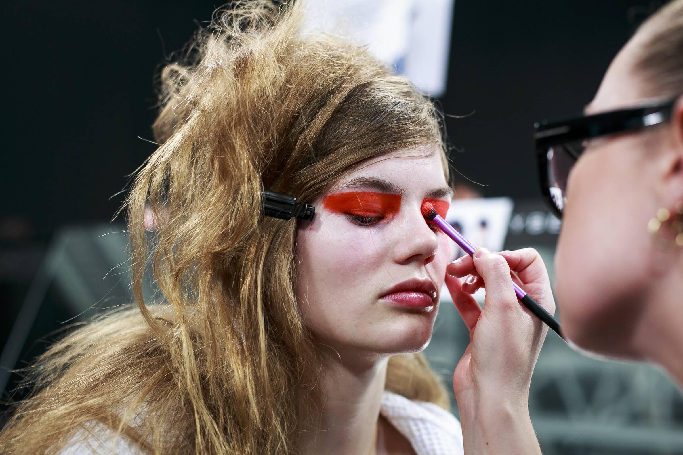 c1670f0d89891 Make Up Model Versus Versace Backstage