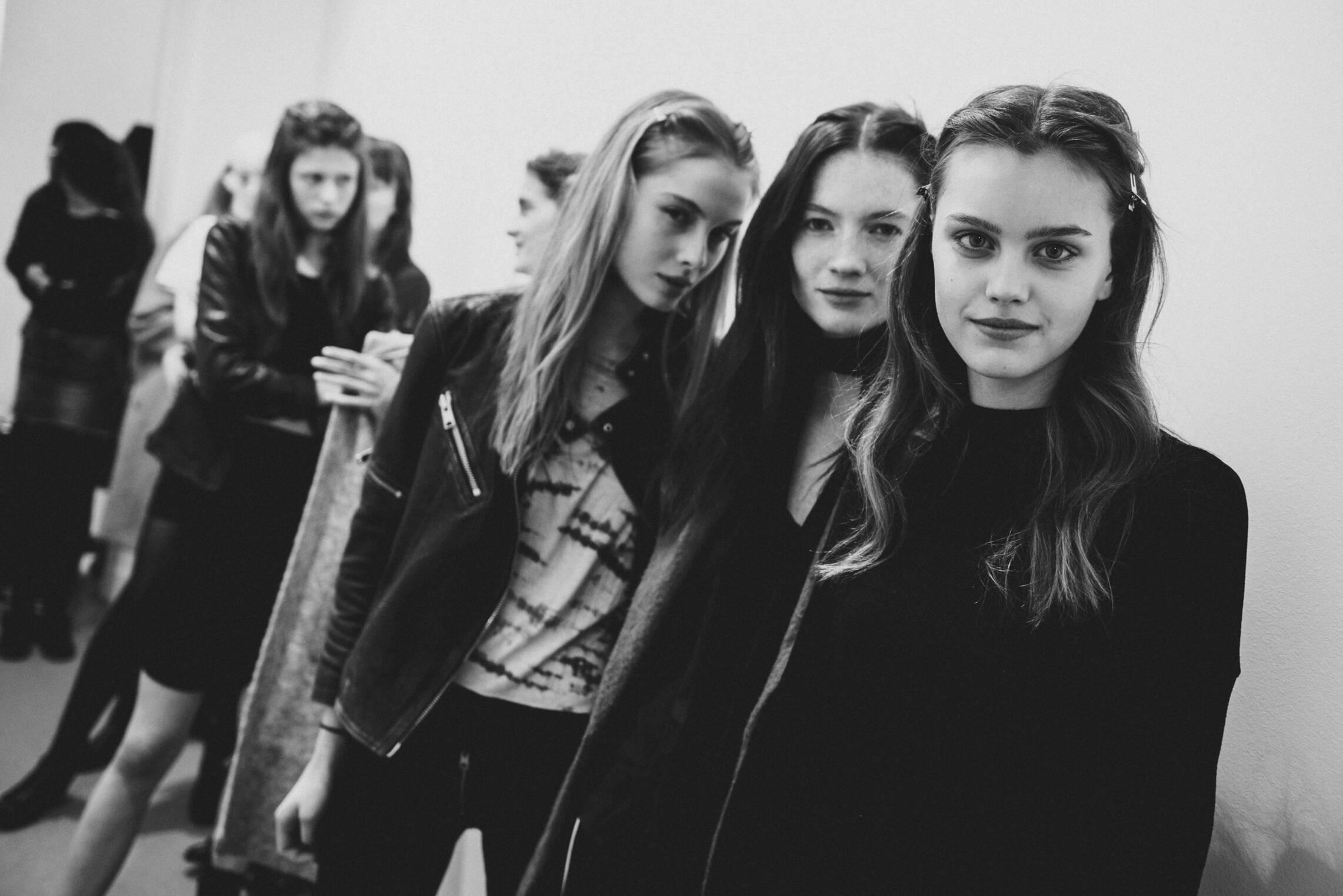 Models 2017 Backstage Alberta Ferretti