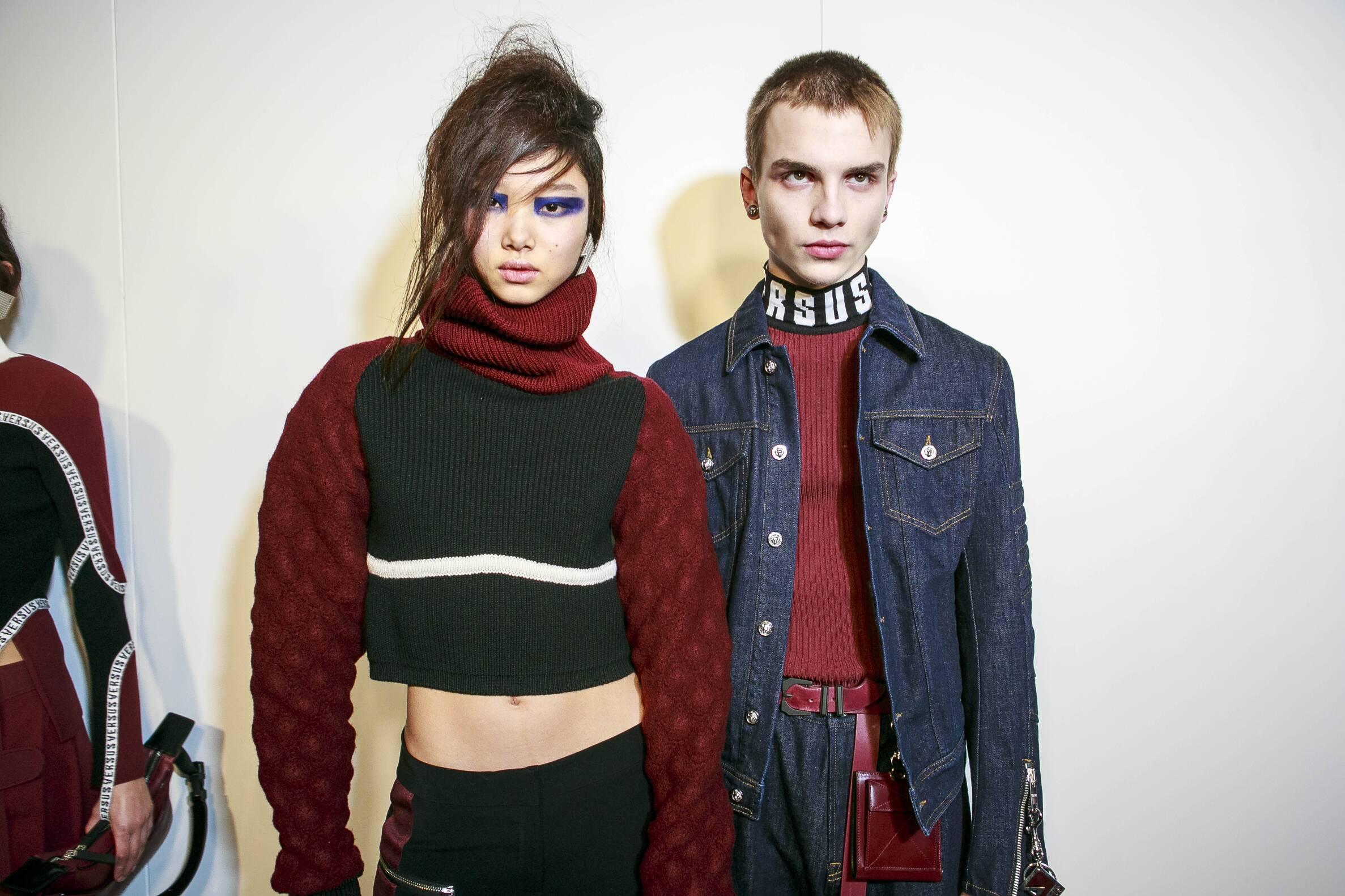 Models Backstage Versus Versace 2017