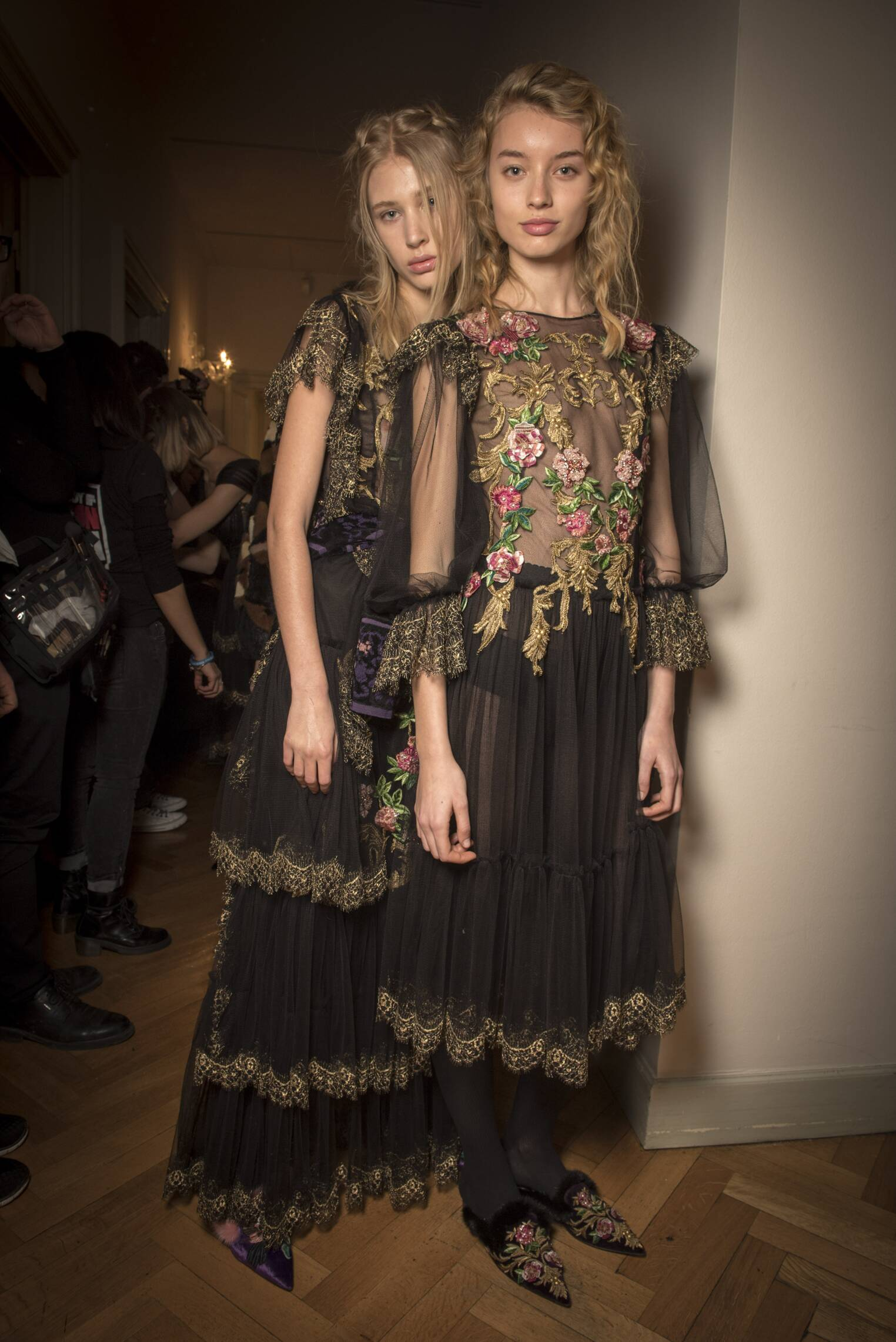 Pre Fall 2017 Woman Trends Backstage Alberta Ferretti