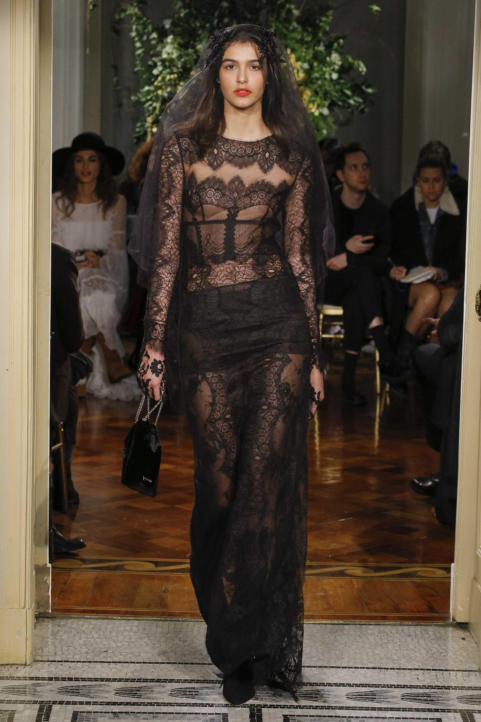 Runway Alberta Ferretti Limited Edition 2017 Women's Collection Milan Fashion Week