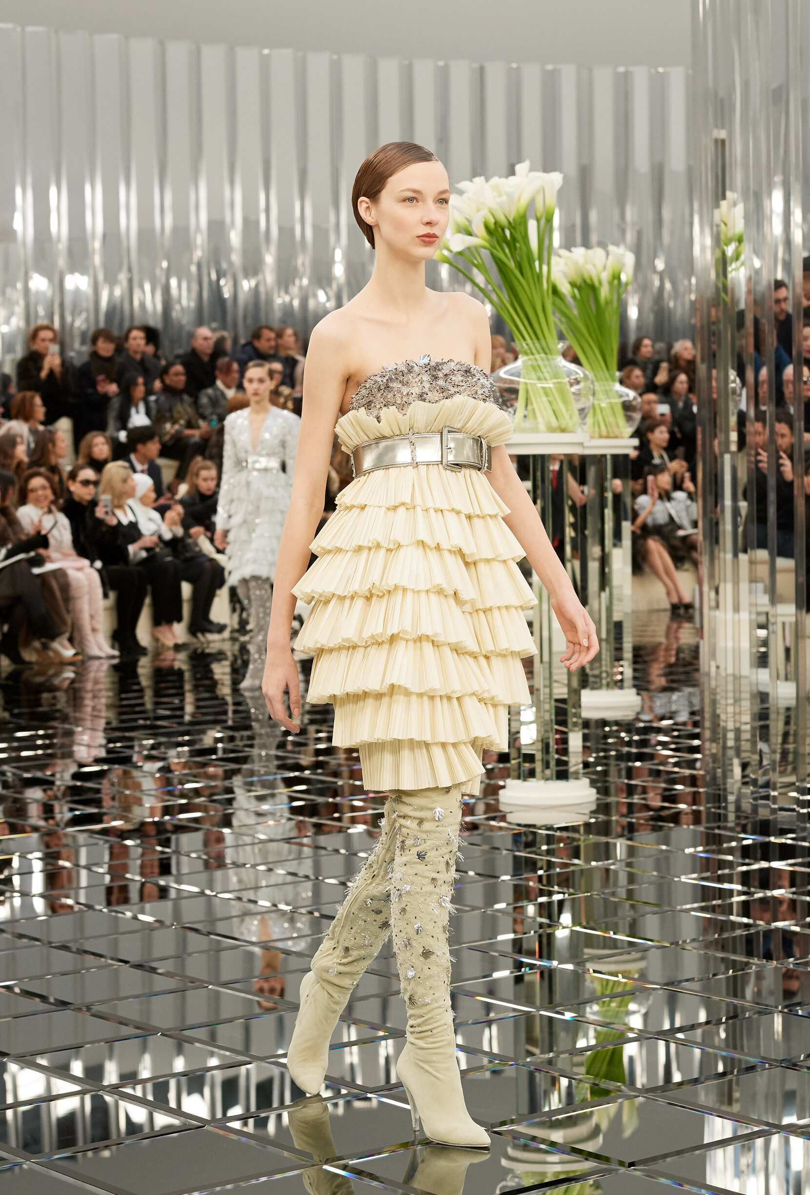 Chanel spring summer 2017 haute couture collection the for Hot couture fashion