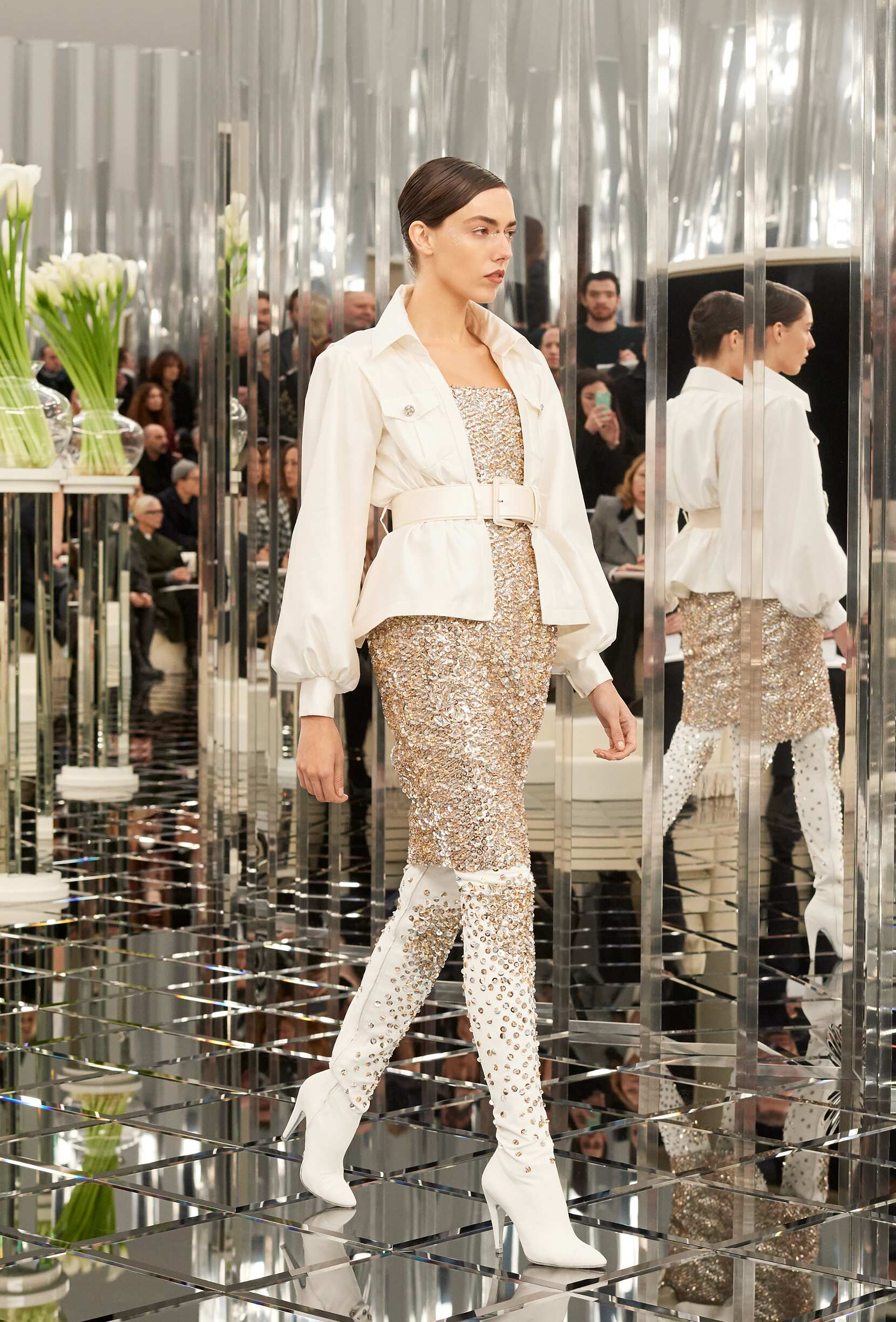 Woman Catwalk Chanel Haute Couture Summer 2017