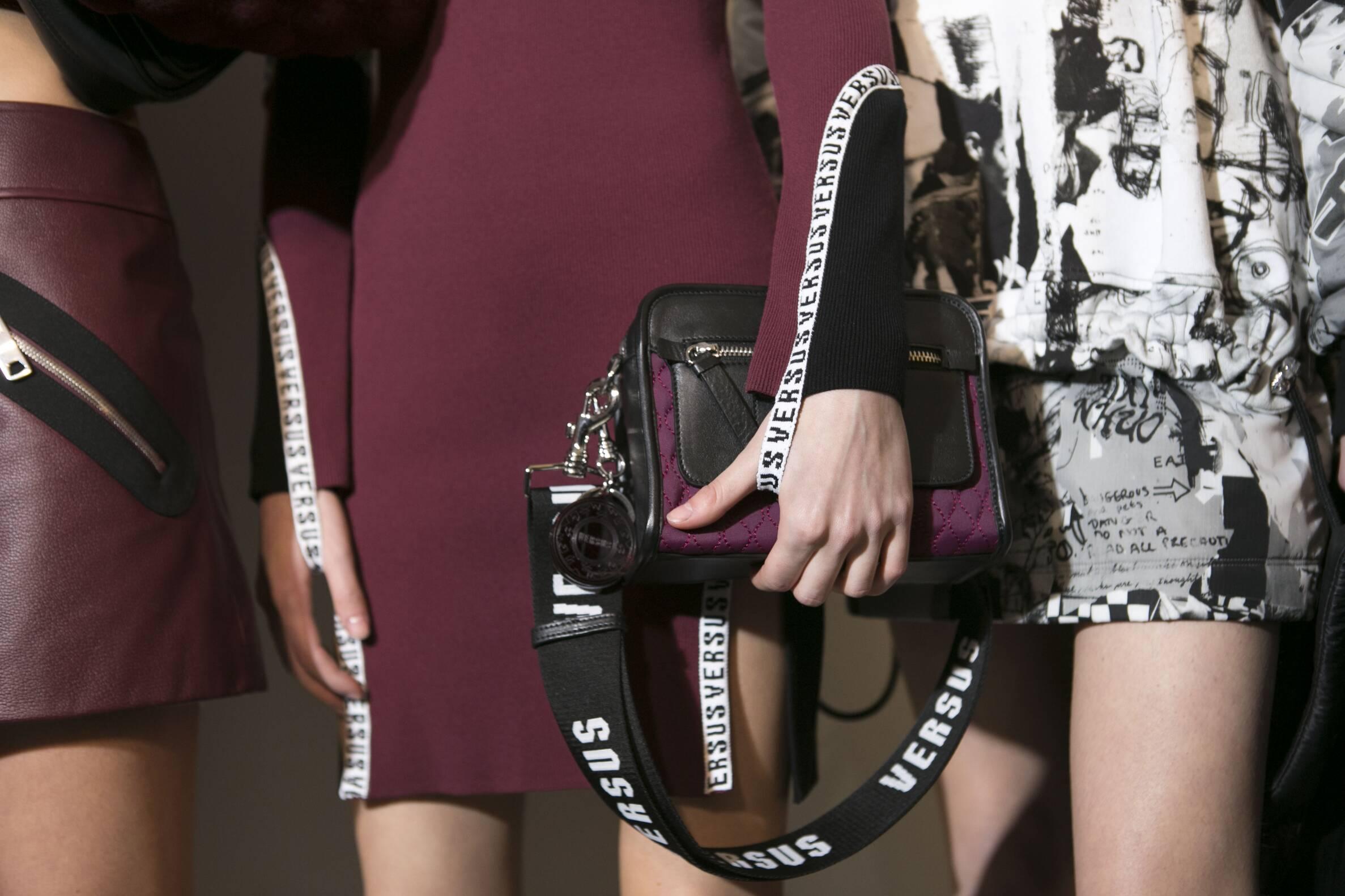 Women Backstage Versus Versace Fashion Show 2017 18 Details
