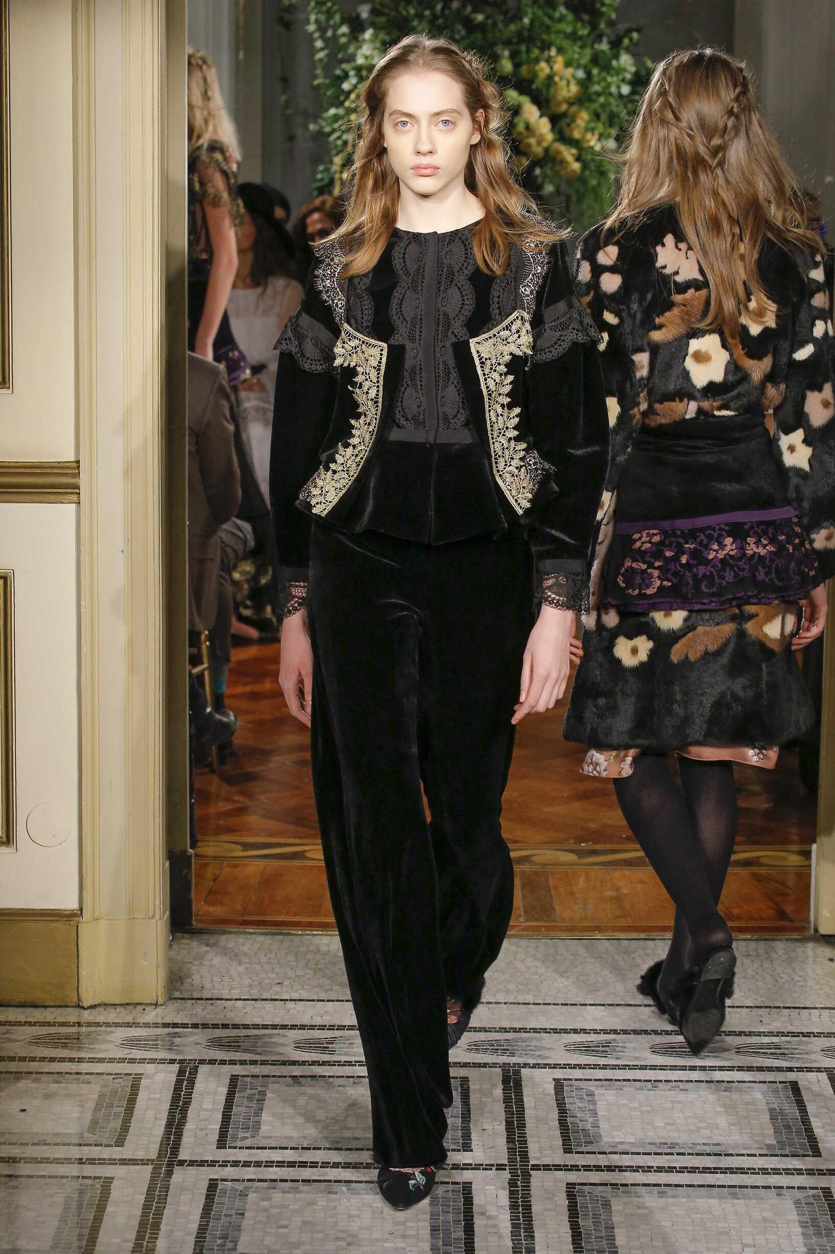 Womens Fall 2017 Fashion Trends Alberta Ferretti