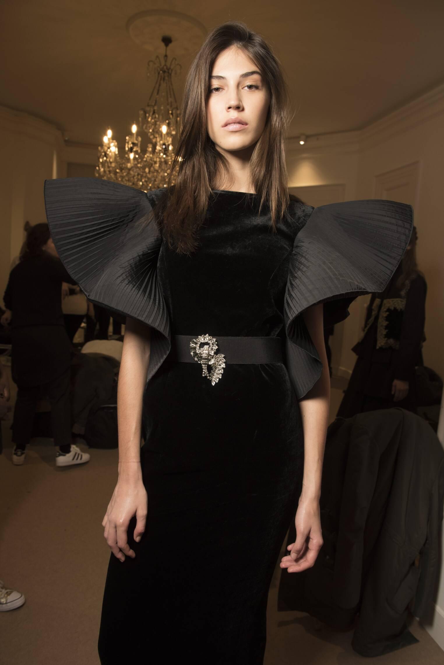 Womenswear Limited 2017 Backstage Alberta Ferretti Fashion Show Milan