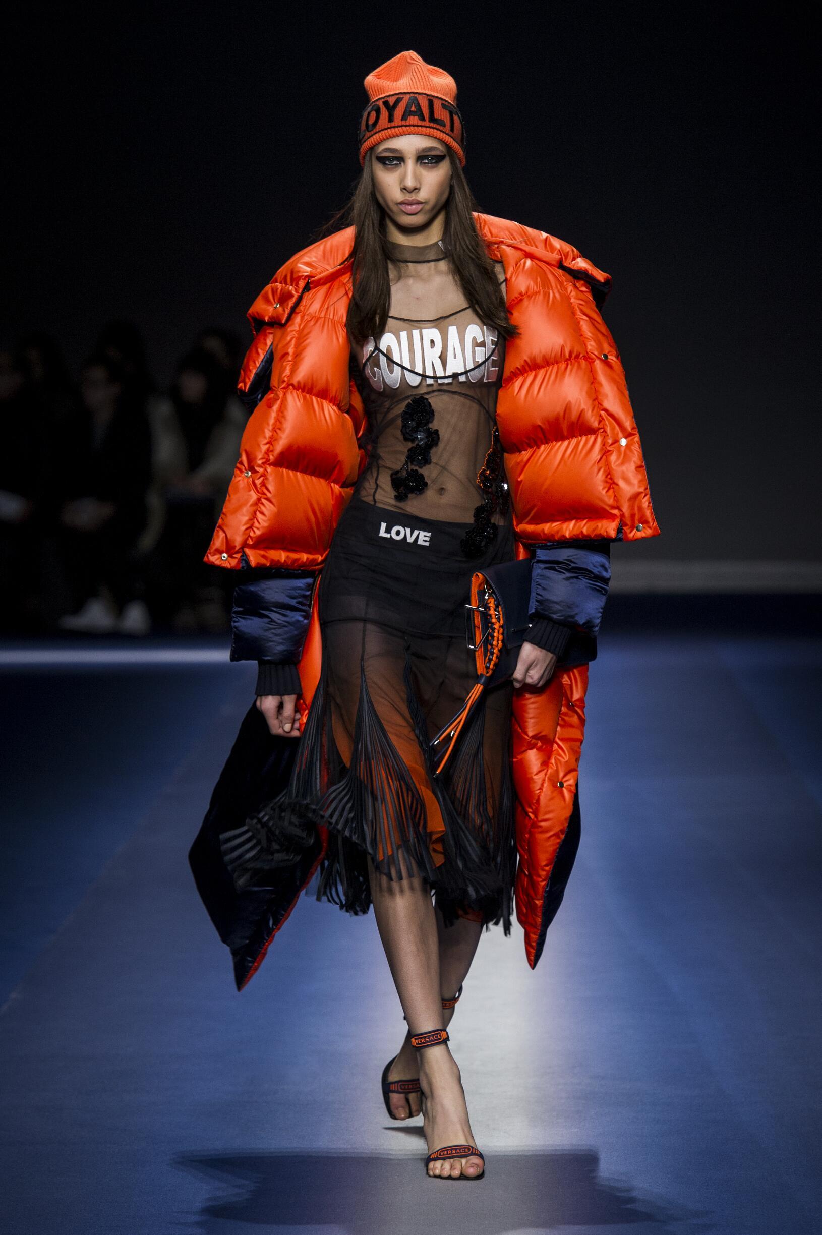 2017-2018 Runway Versace Woman Winter