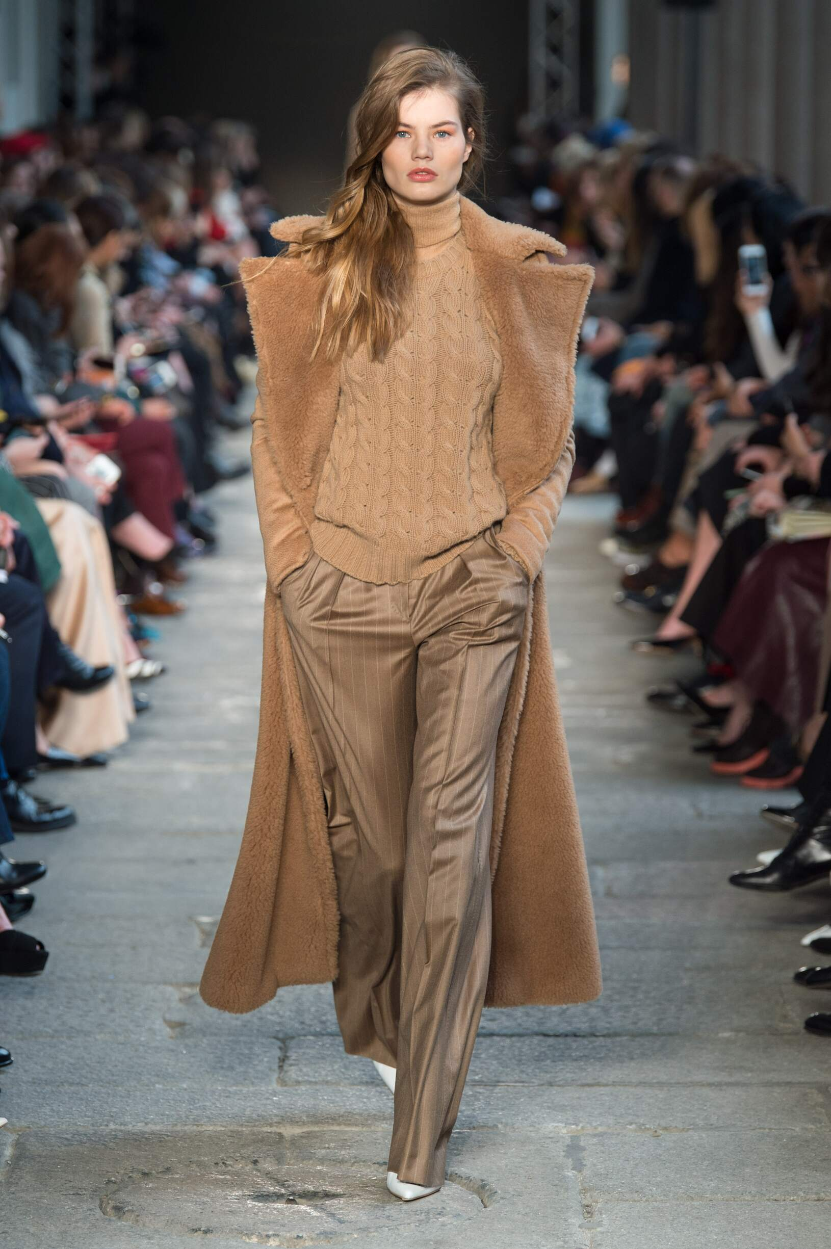 2017 Max Mara Fall Winter Woman