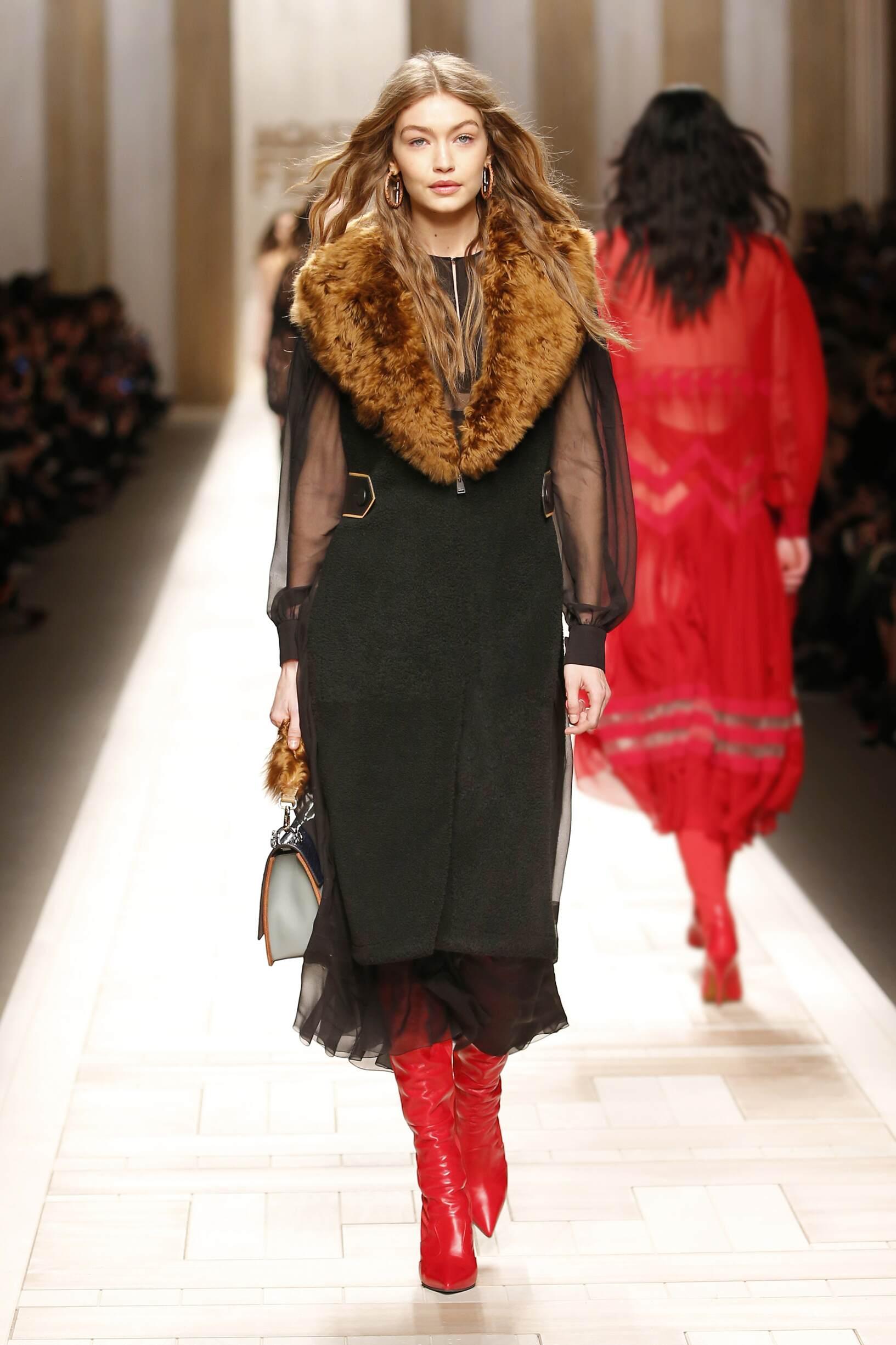 2017 Woman Fendi Winter Catwalk