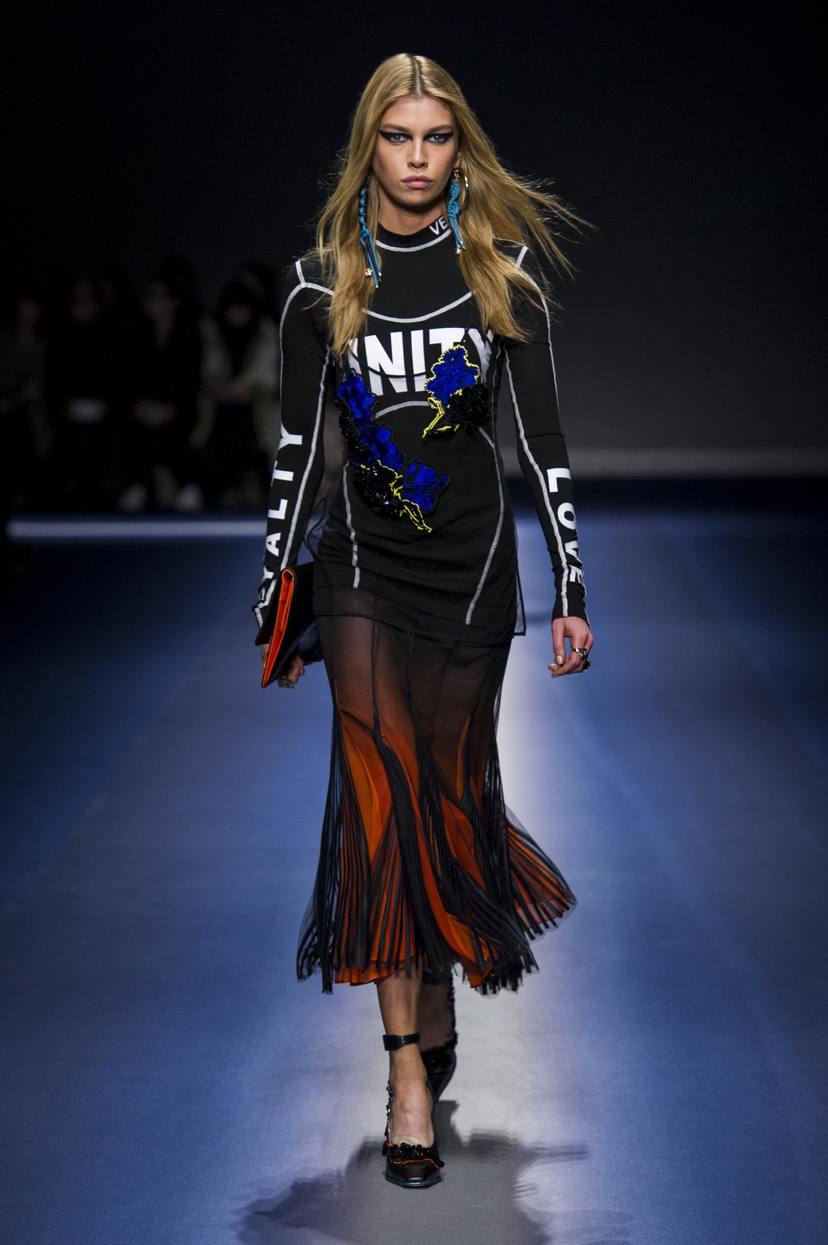 2017 Woman Versace Winter Catwalk