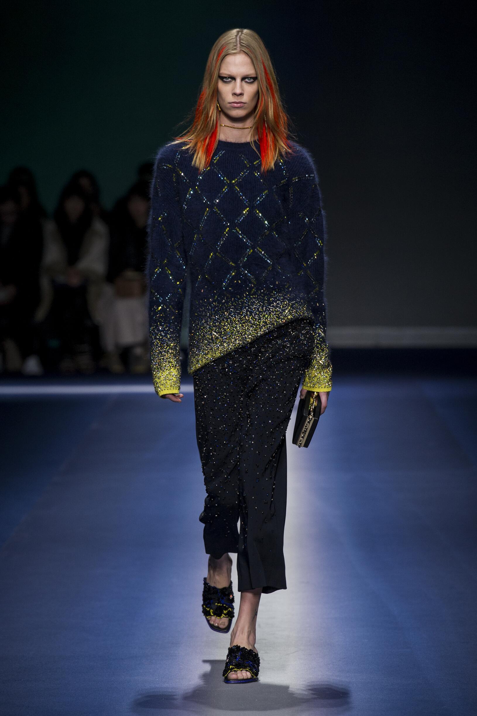 2017 Woman Versace Winter Trends